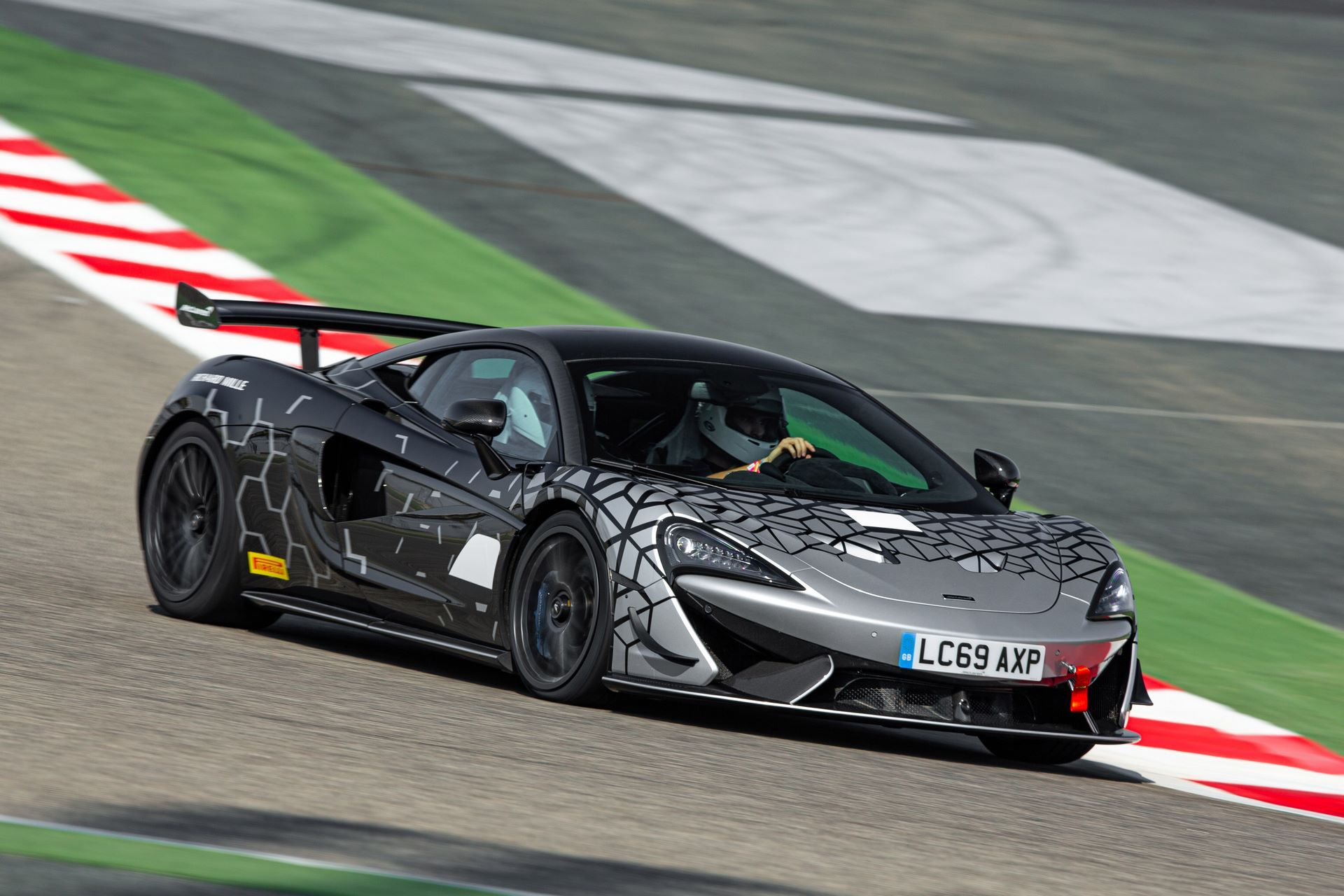McLaren-620R-09