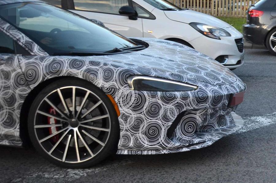 McLaren-_GT_spy_0002
