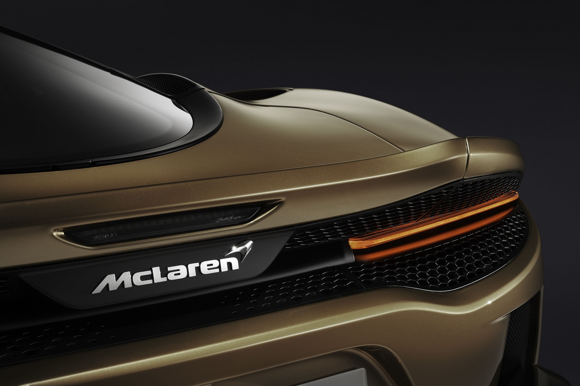 McLaren-GT-16