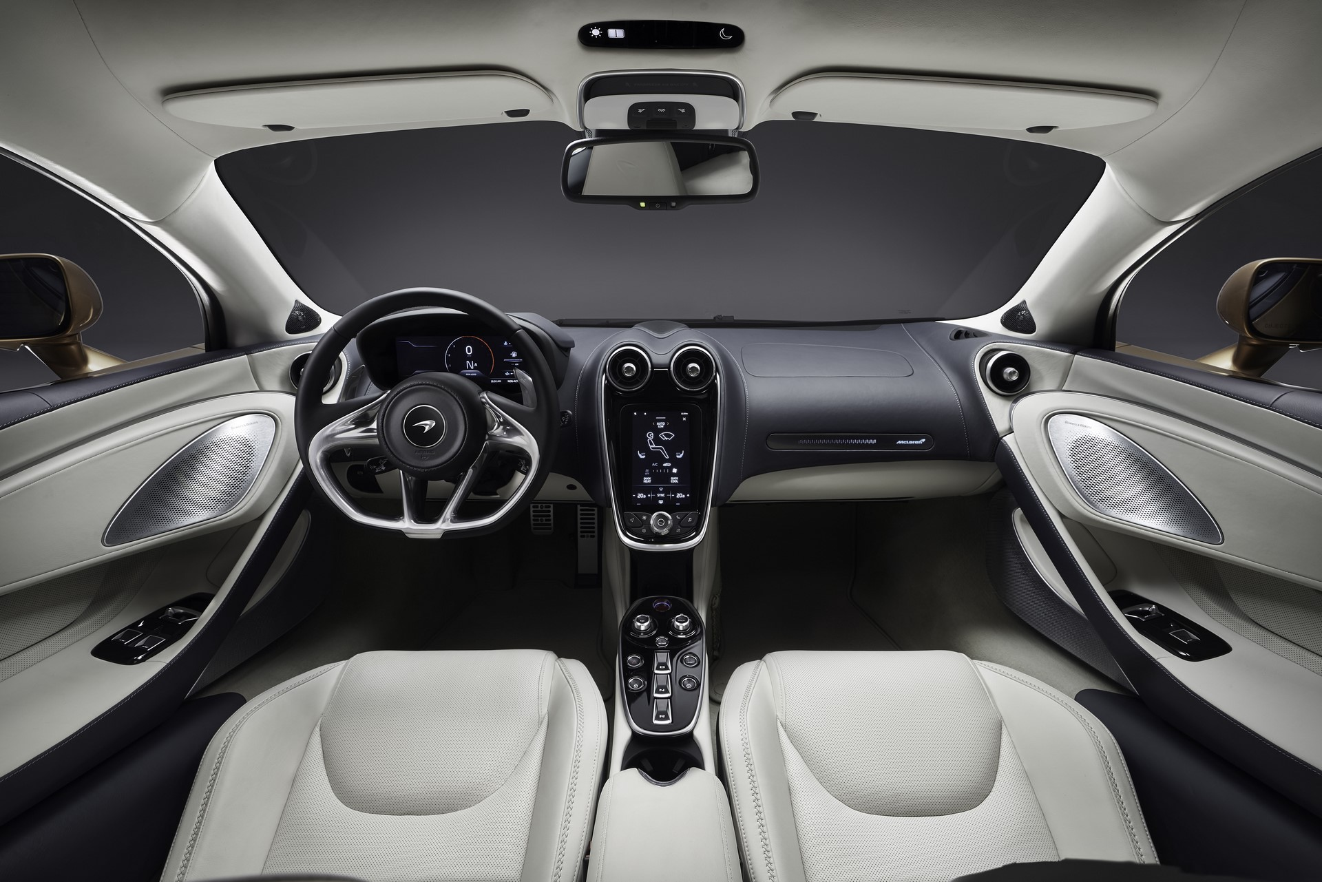 McLaren-GT-17