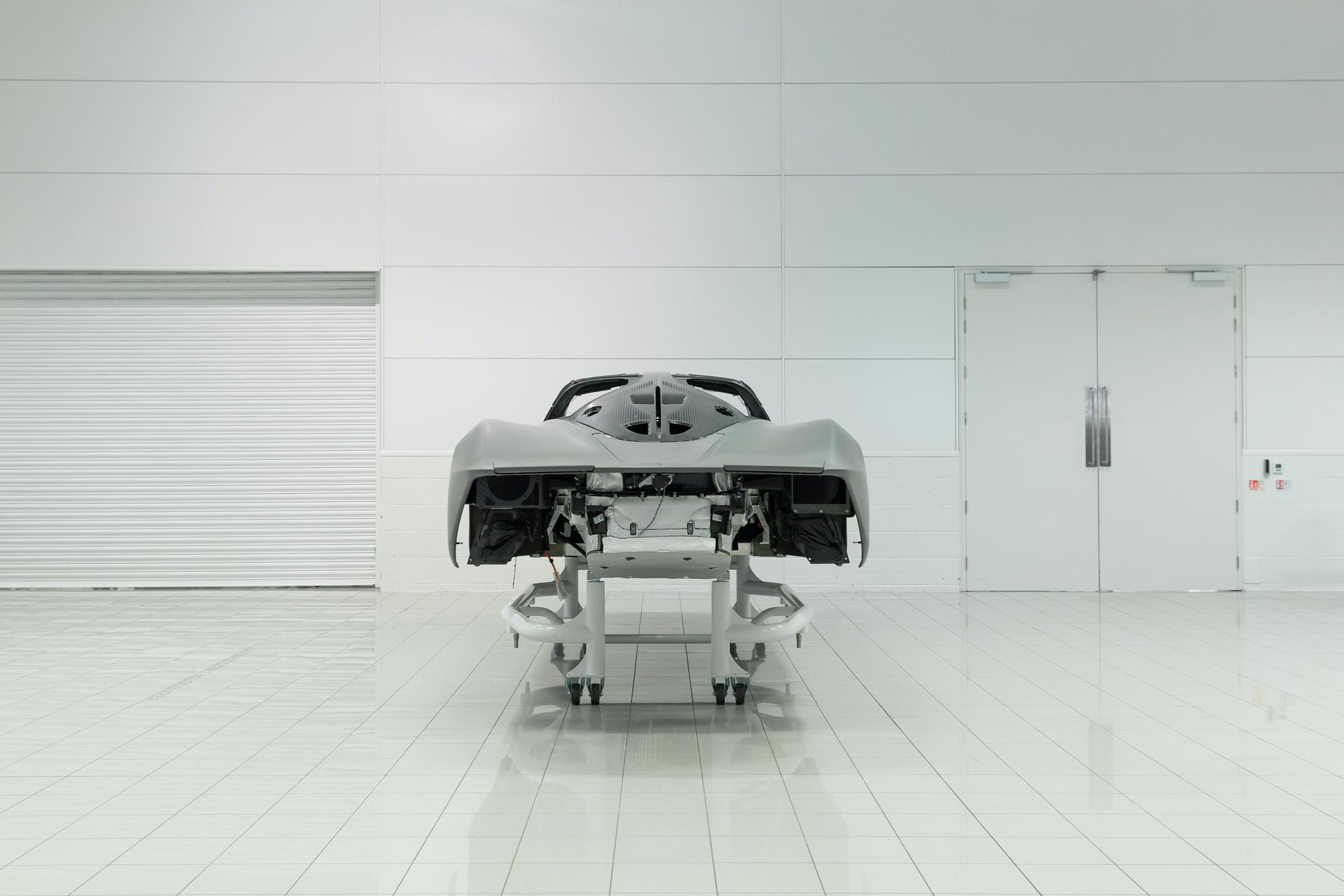 McLaren-Speedtail-customer-order-build-begins-04a