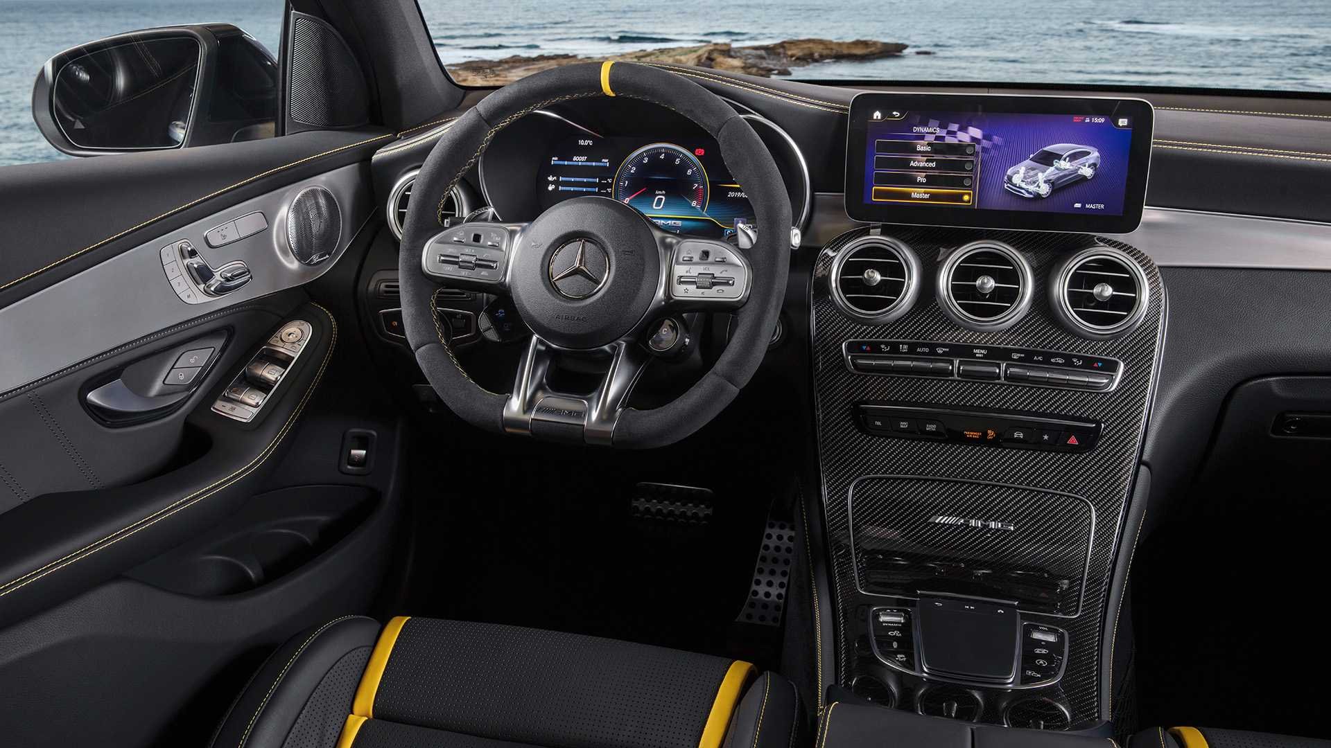 2019-mercedes-amg-glc-63-coupe-16