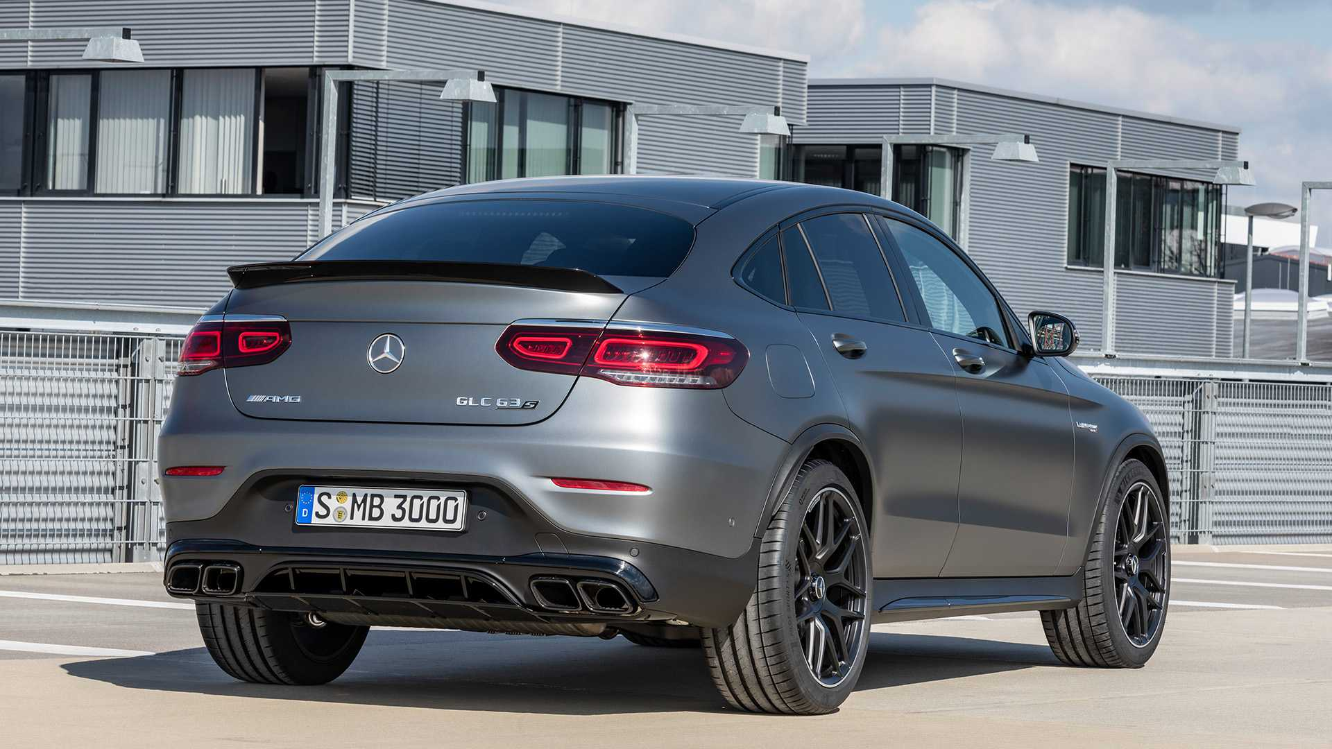 2019-mercedes-amg-glc-63-coupe-6