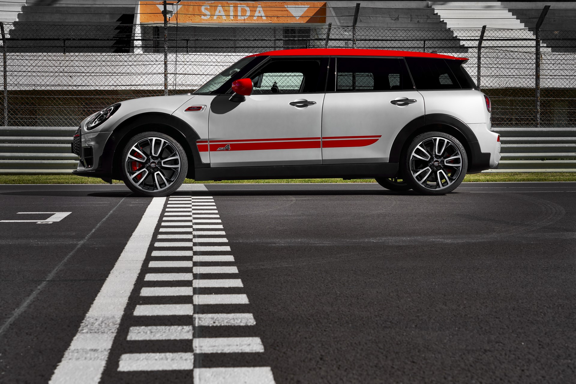 Mini-Clubman-JCW-and-Countryman-69