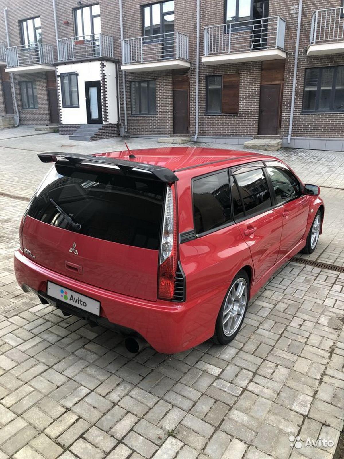 Mitsubishi_Lancer_Evo_IX_Wagon_0002