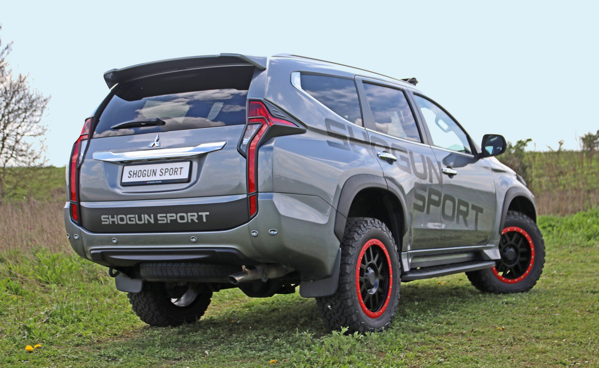 Mitsubishi-Shogun-Sport-SVP-Concept-2