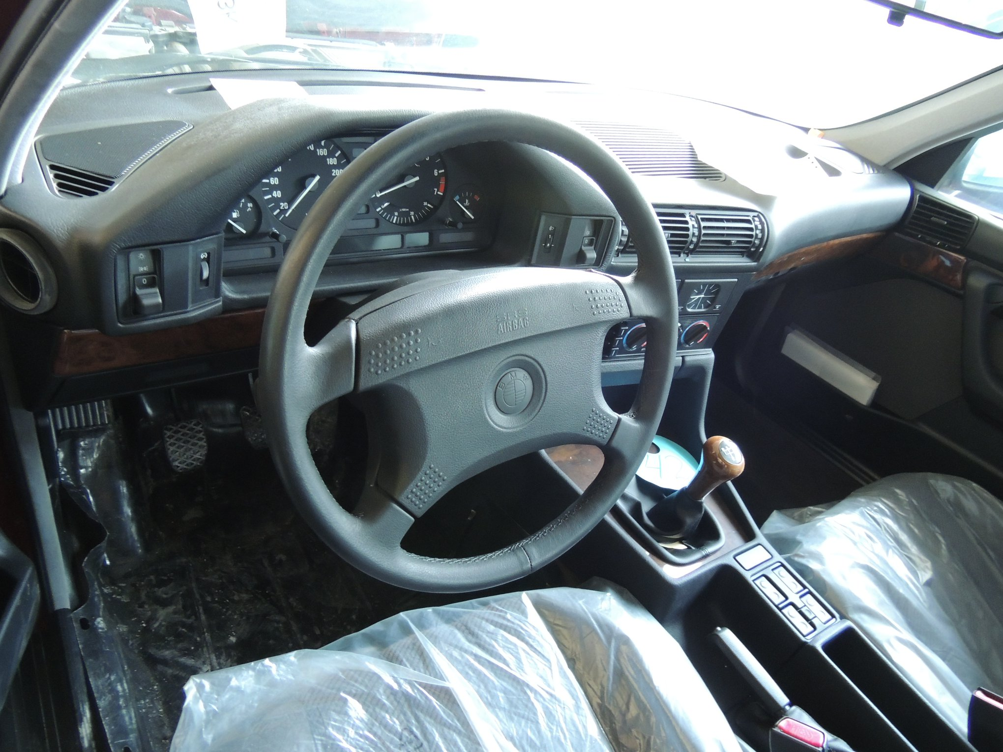 Never_Driven_1994_BMW_5_Series_E34_0000