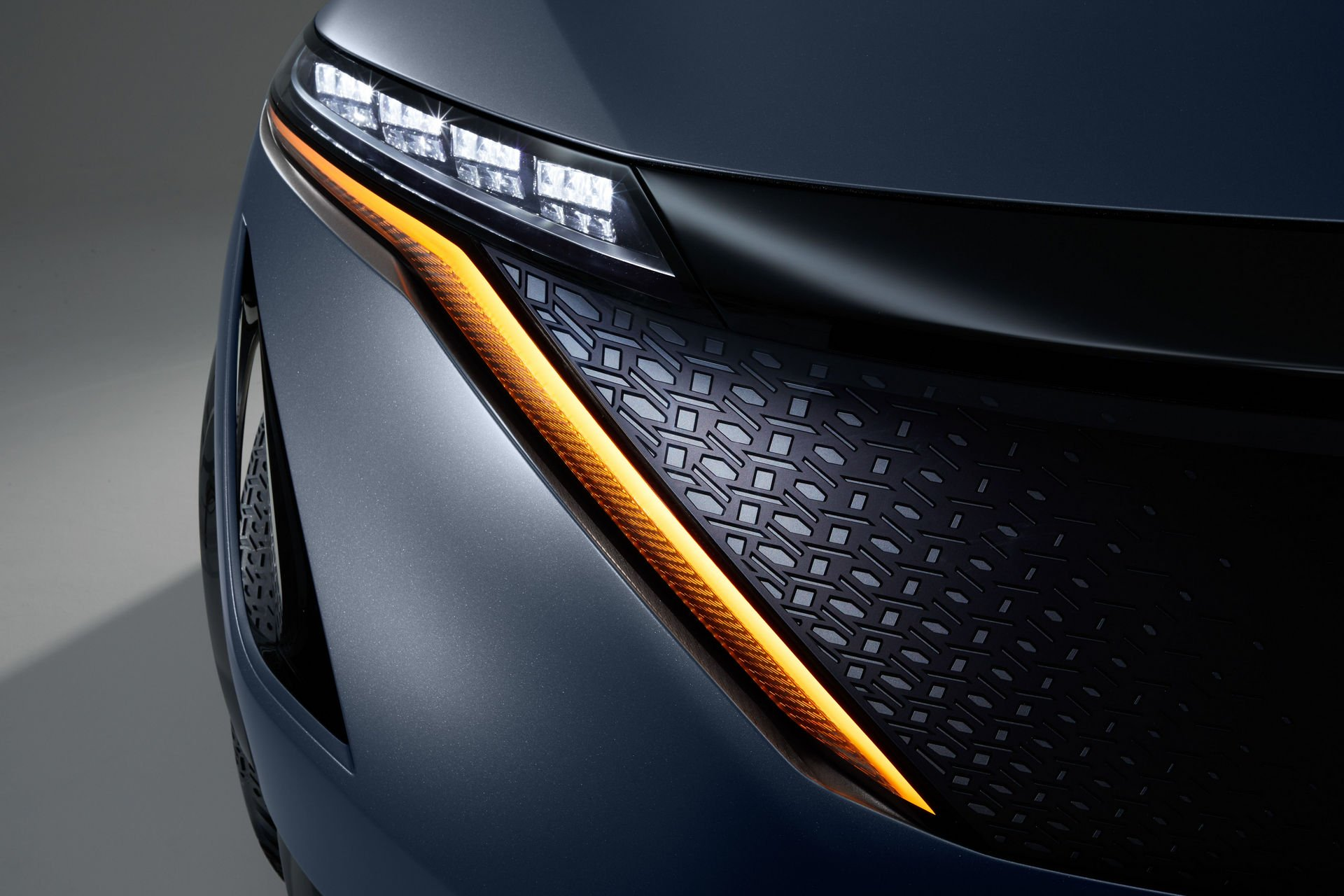 Nissan-Ariya-Concept-18