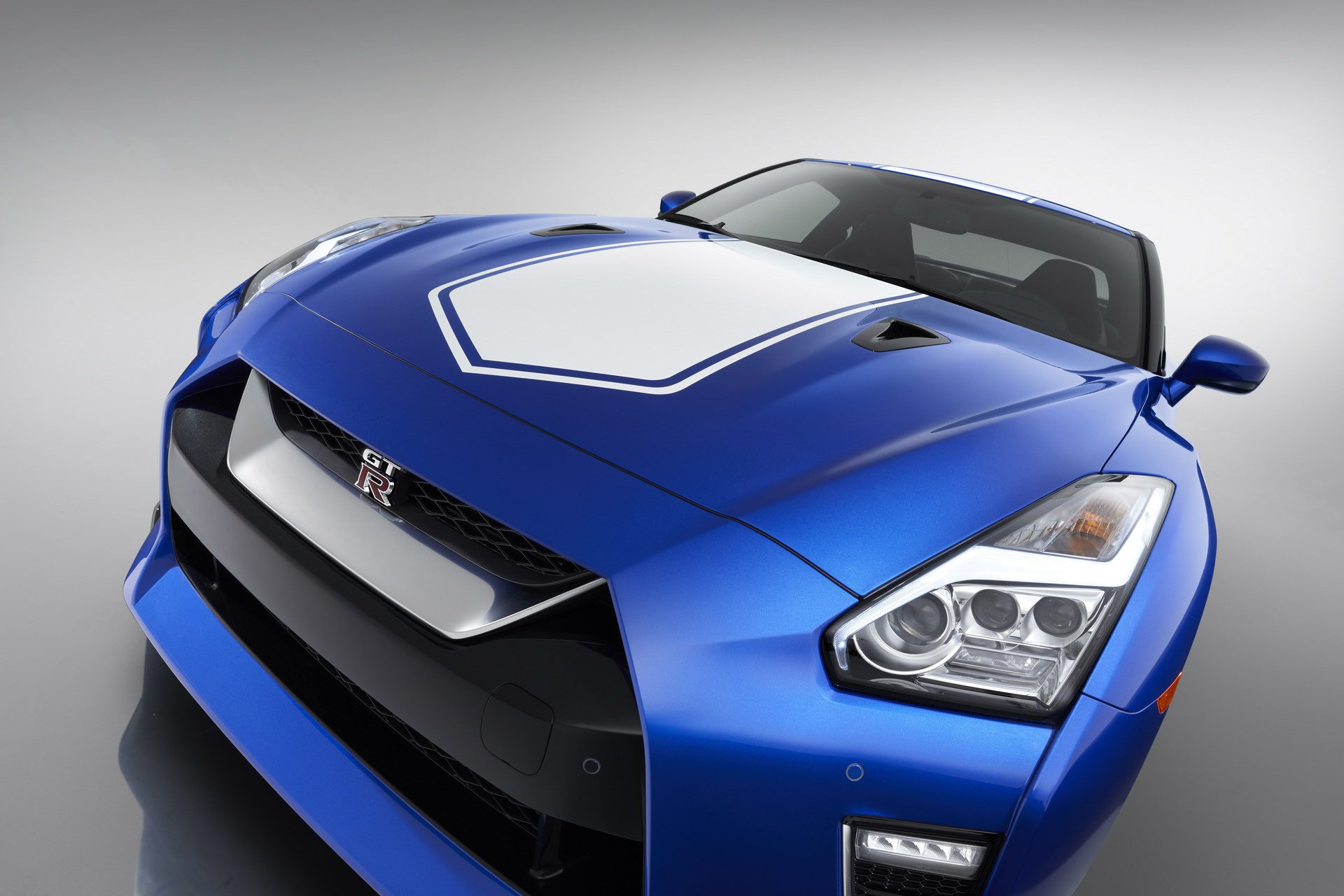 Nissan-GT-R-50th-Anniversary-Edition-13