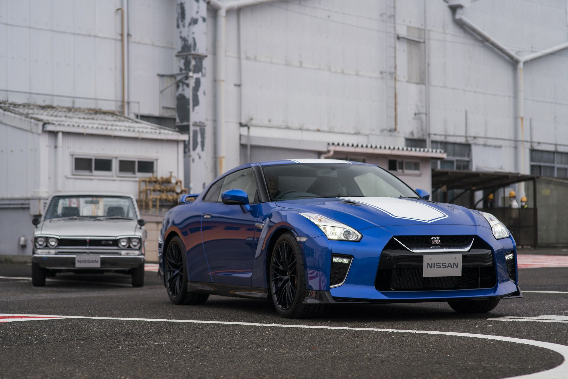 Nissan-GT-R-50th-Anniversary-Edition-3