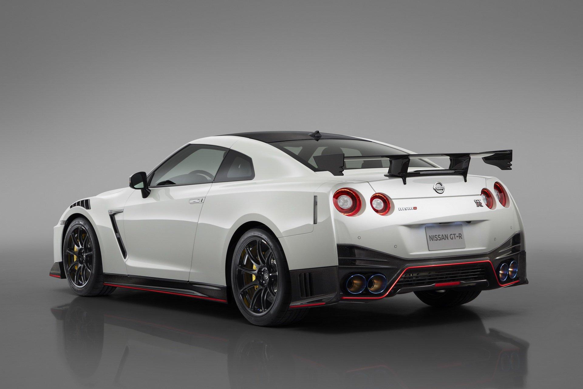 Nissan-GT-R-Nismo-2020-16