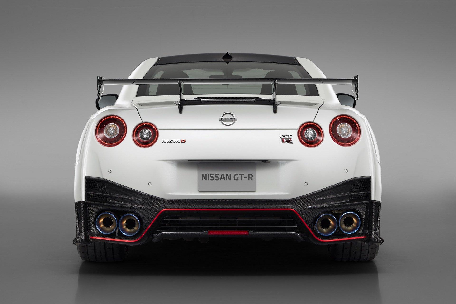 Nissan-GT-R-Nismo-2020-17