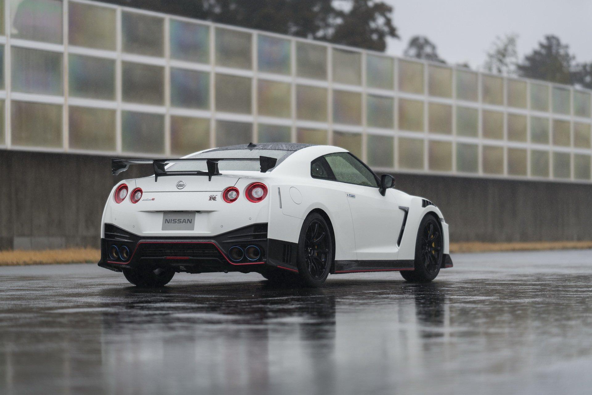 Nissan-GT-R-Nismo-2020-7