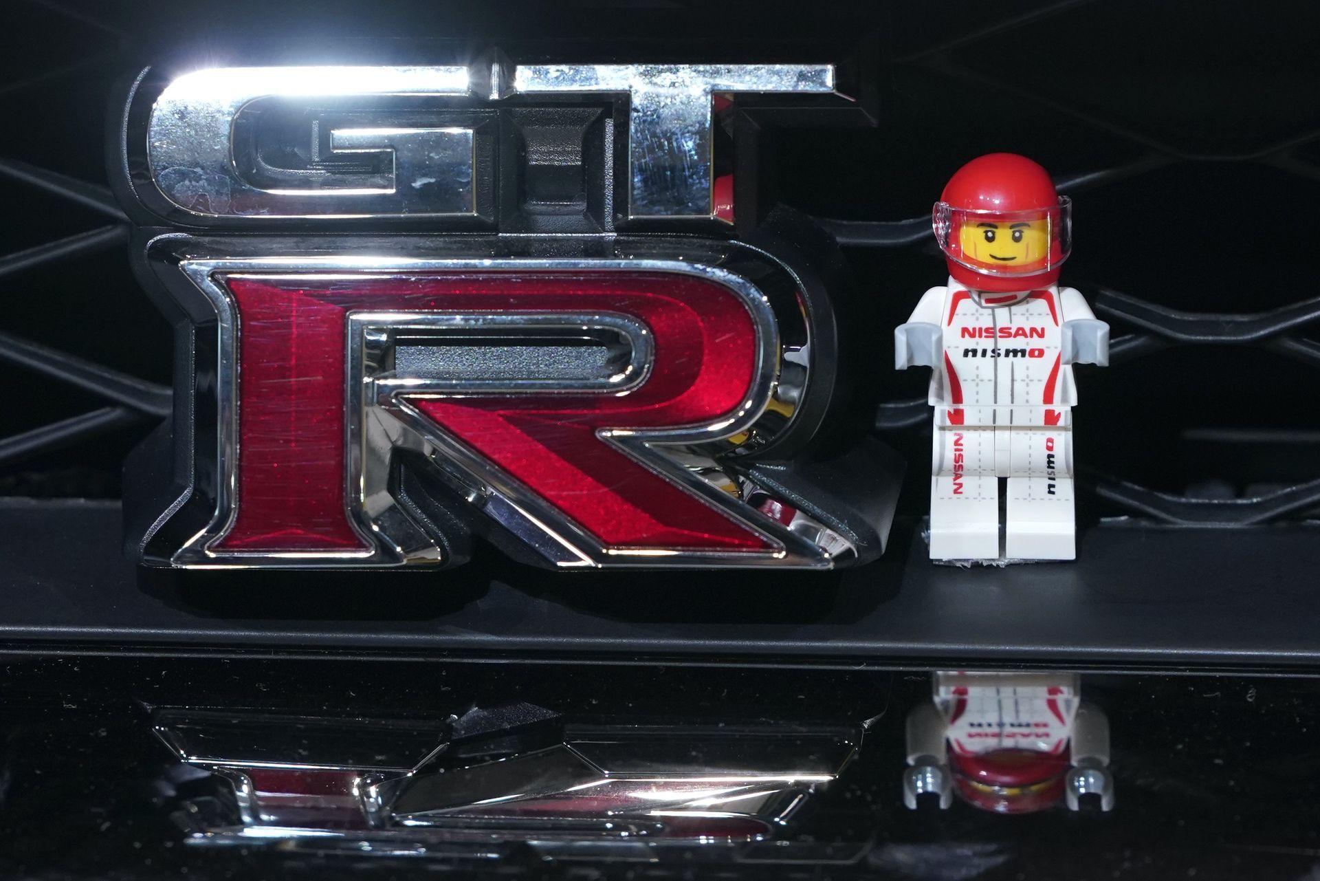 Nissan_GT-R_Nismo_Lego_0000