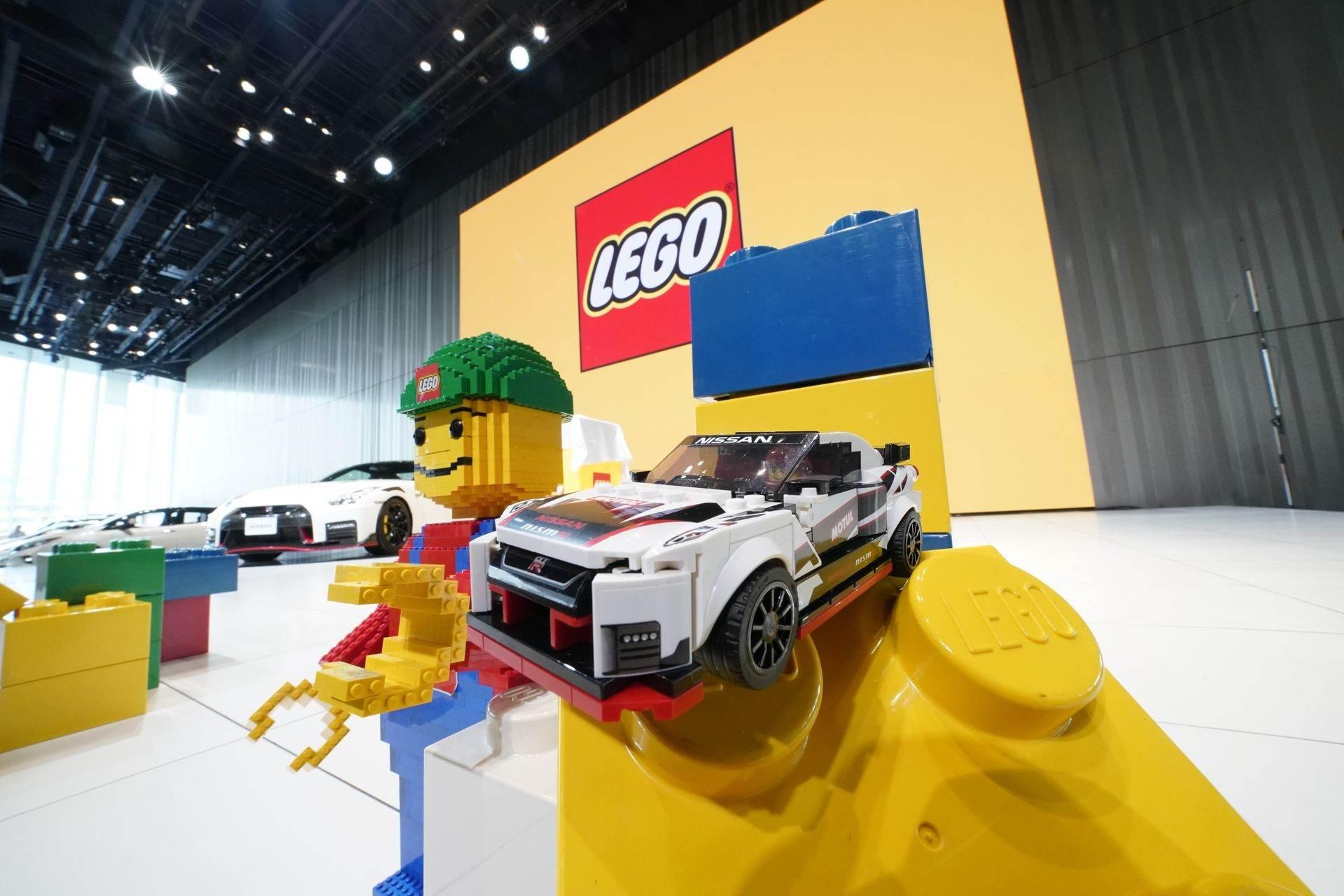 Nissan_GT-R_Nismo_Lego_0001