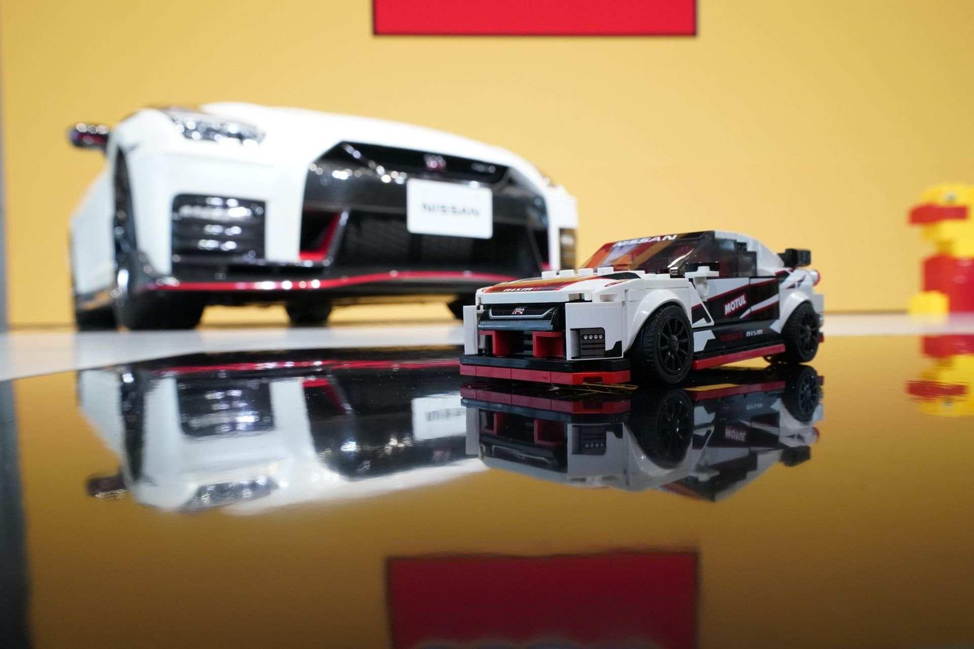 Nissan_GT-R_Nismo_Lego_0003