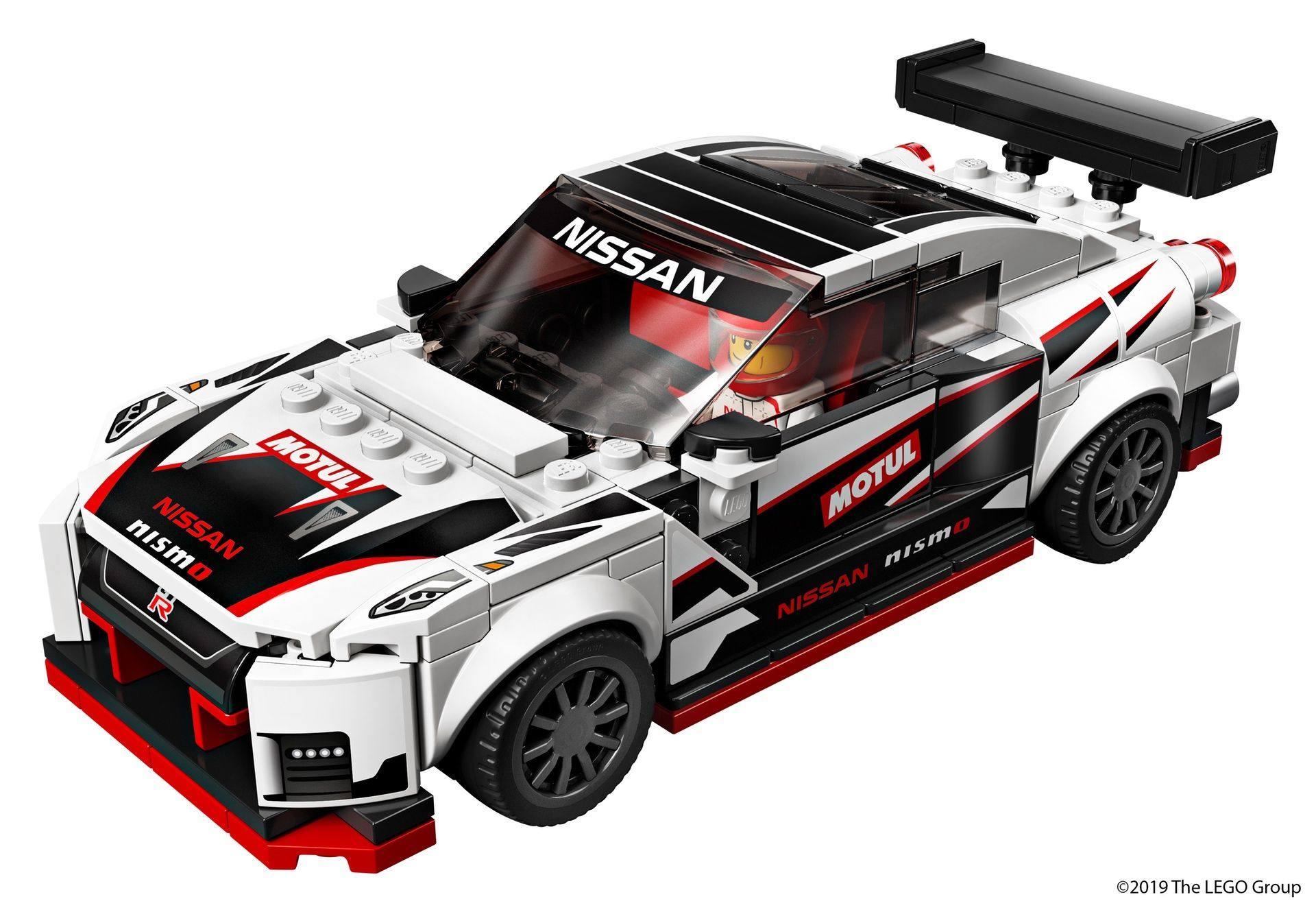 Nissan_GT-R_Nismo_Lego_0010