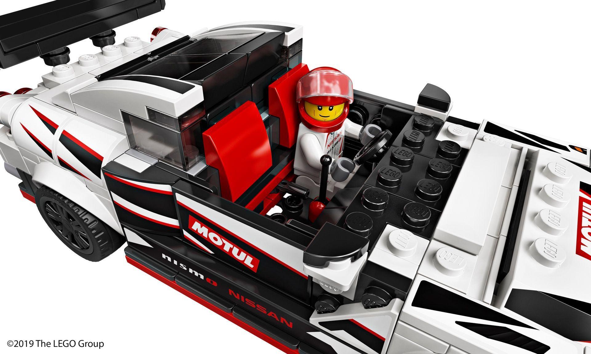 Nissan_GT-R_Nismo_Lego_0012