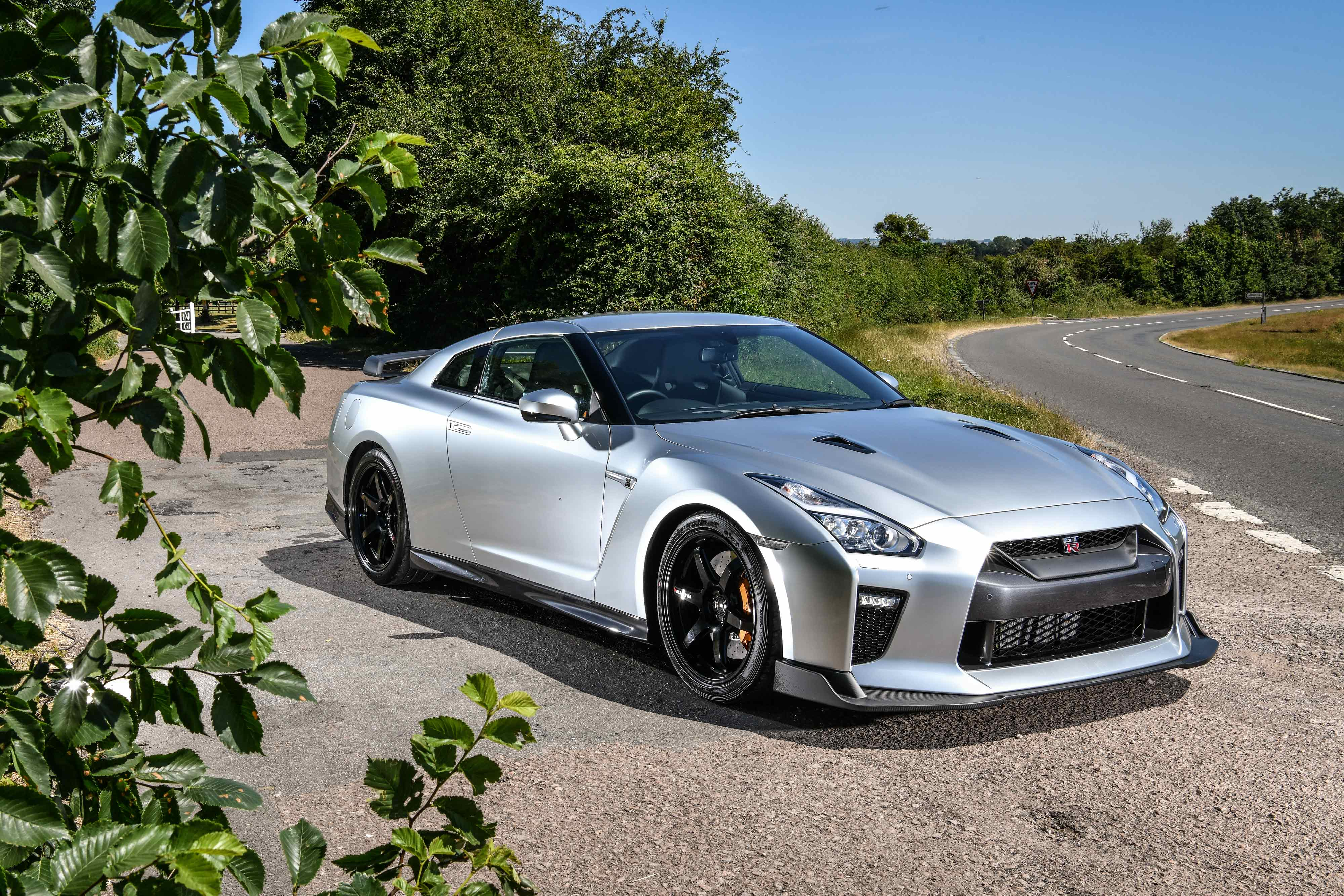 Nissan_GT-R_Track_Edition_by_Litchfield_0000