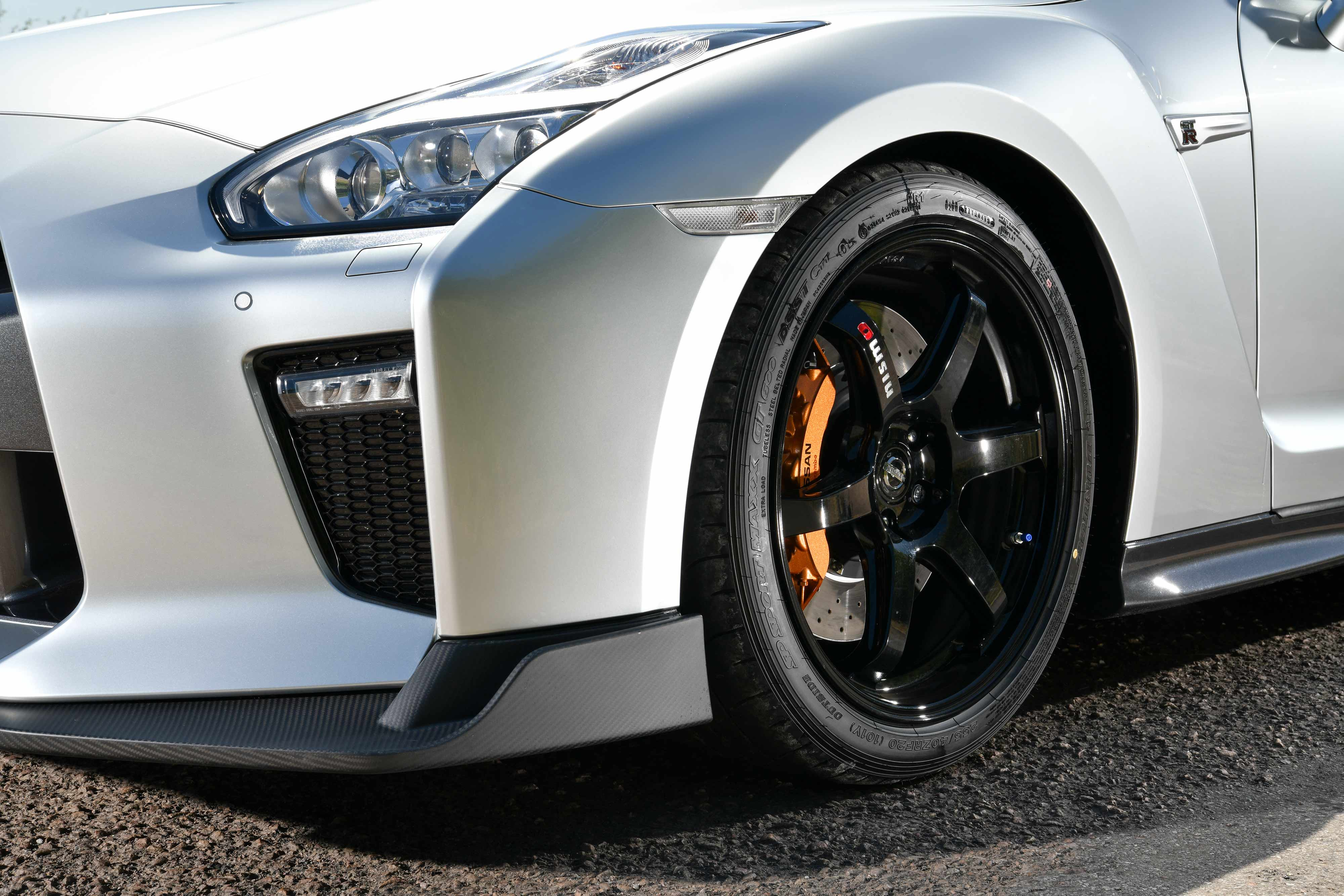 Nissan_GT-R_Track_Edition_by_Litchfield_0009
