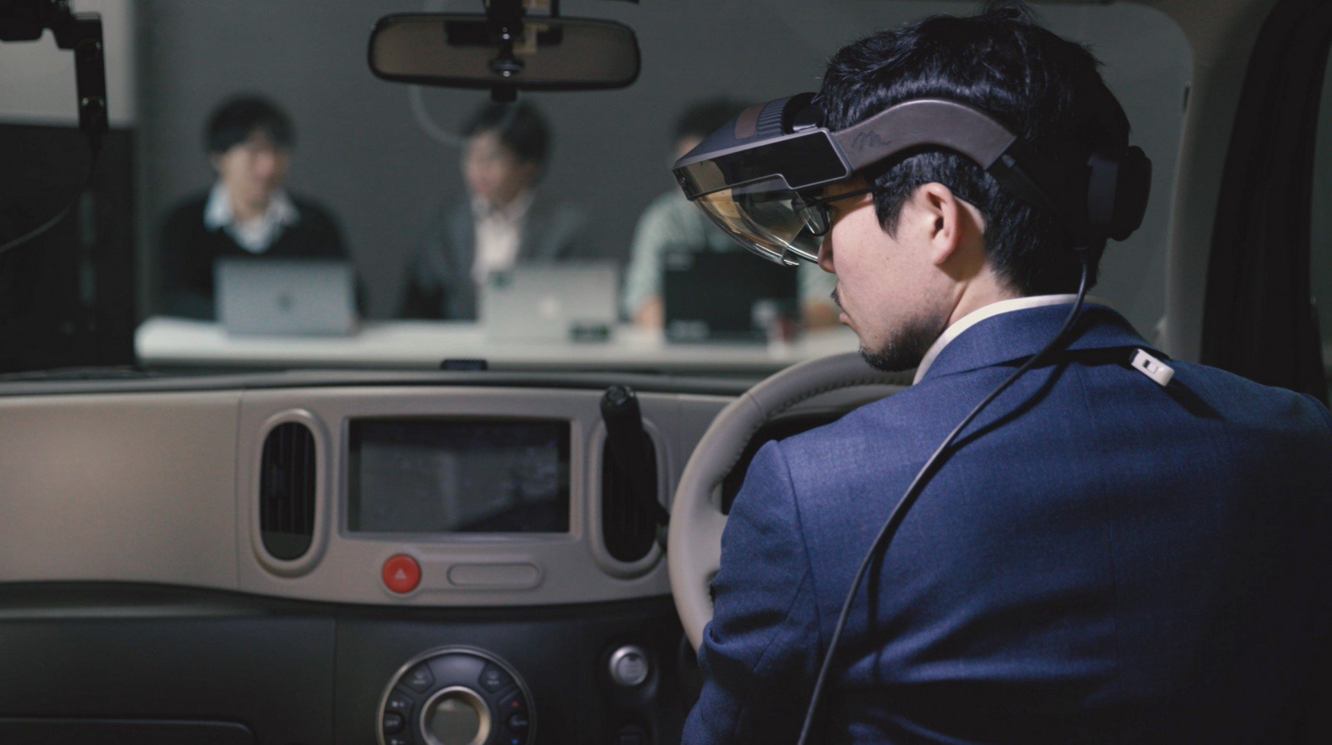 Nissan Invisible-to-Visible technology concept (10)