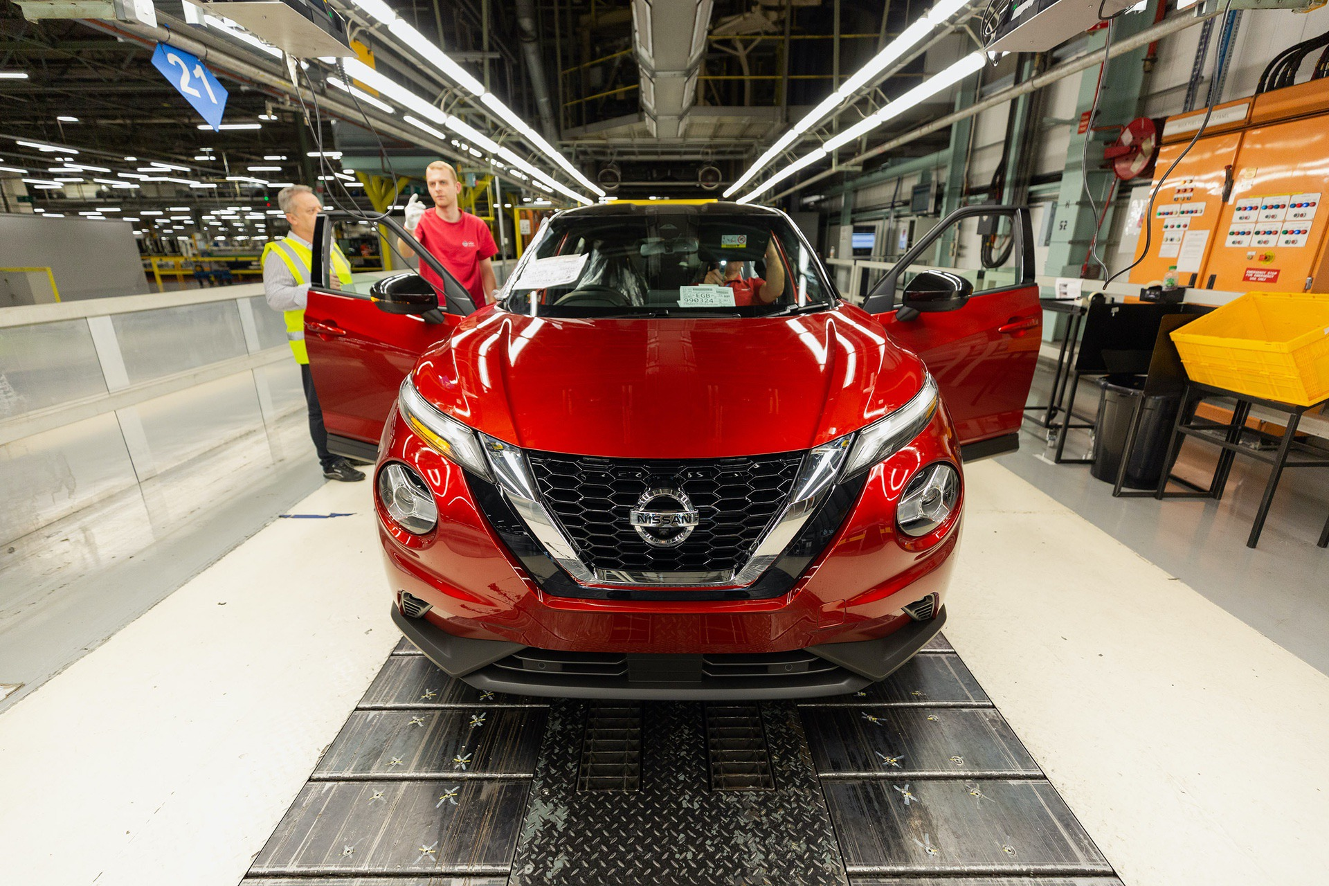 Nissan-Juke-production-Final-Assembly-10