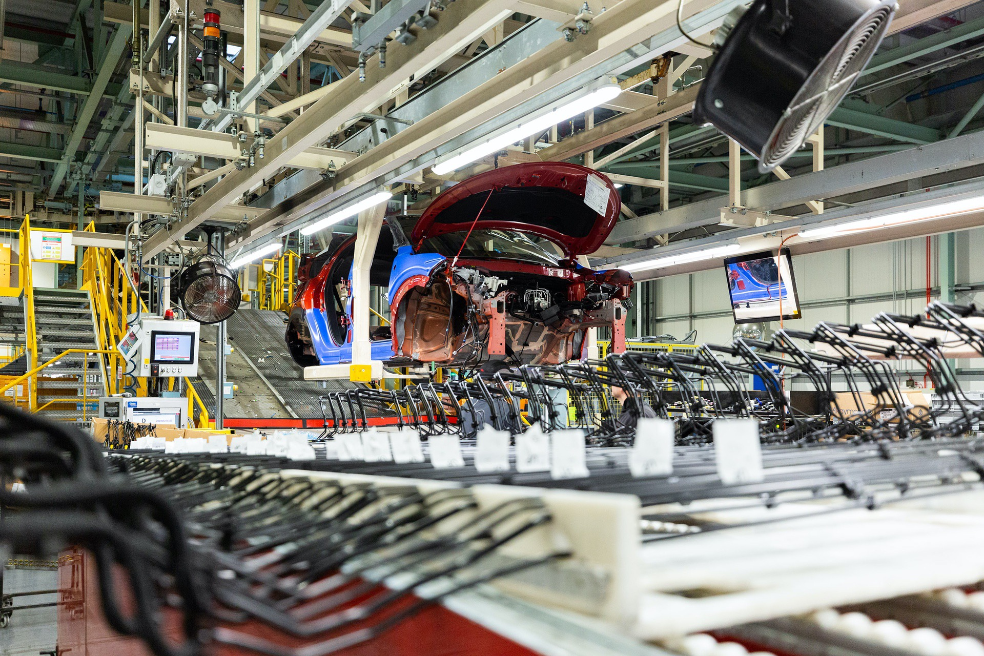 Nissan-Juke-production-Final-Assembly-4
