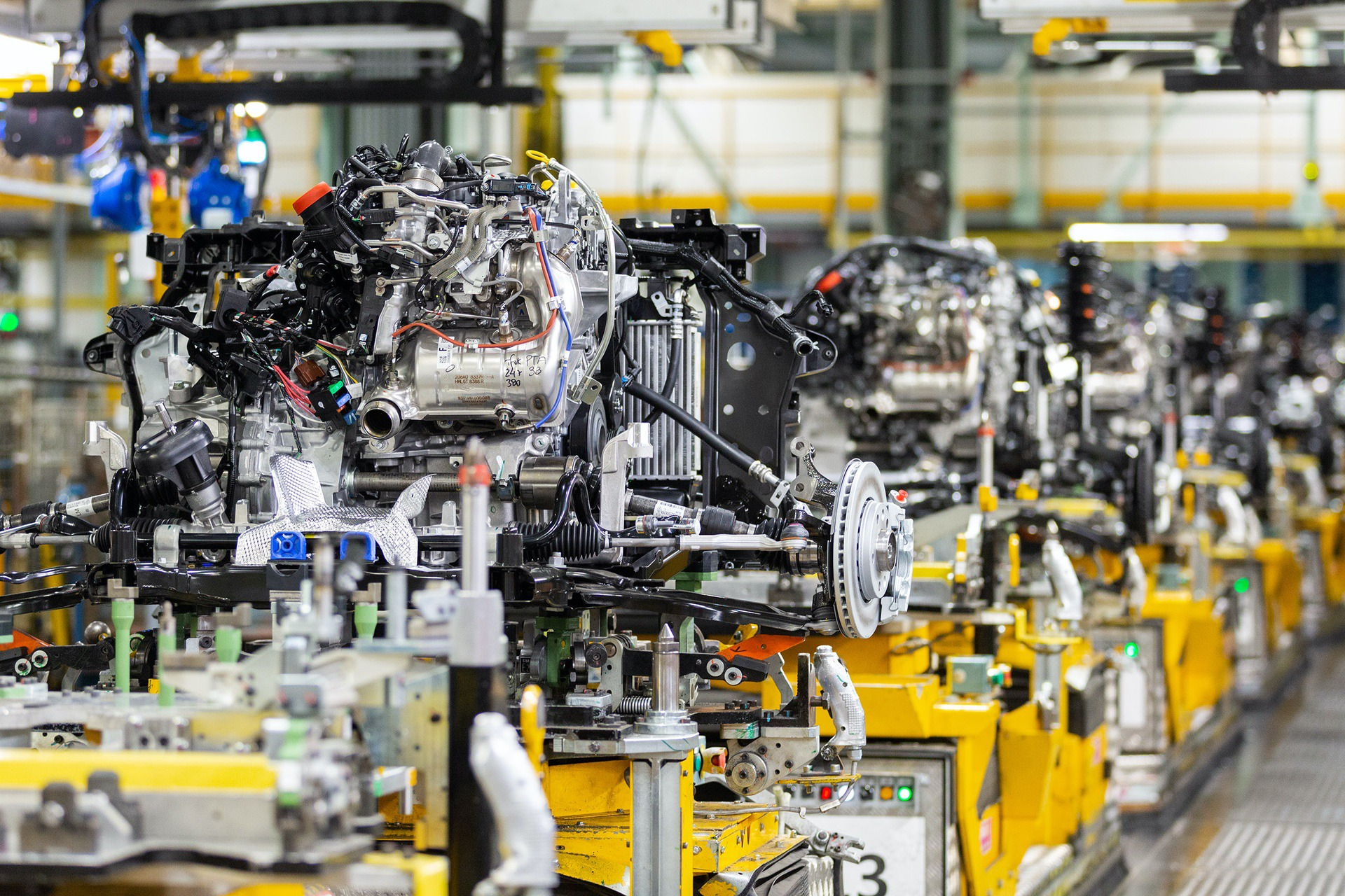 Nissan-Juke-production-Final-Assembly-5