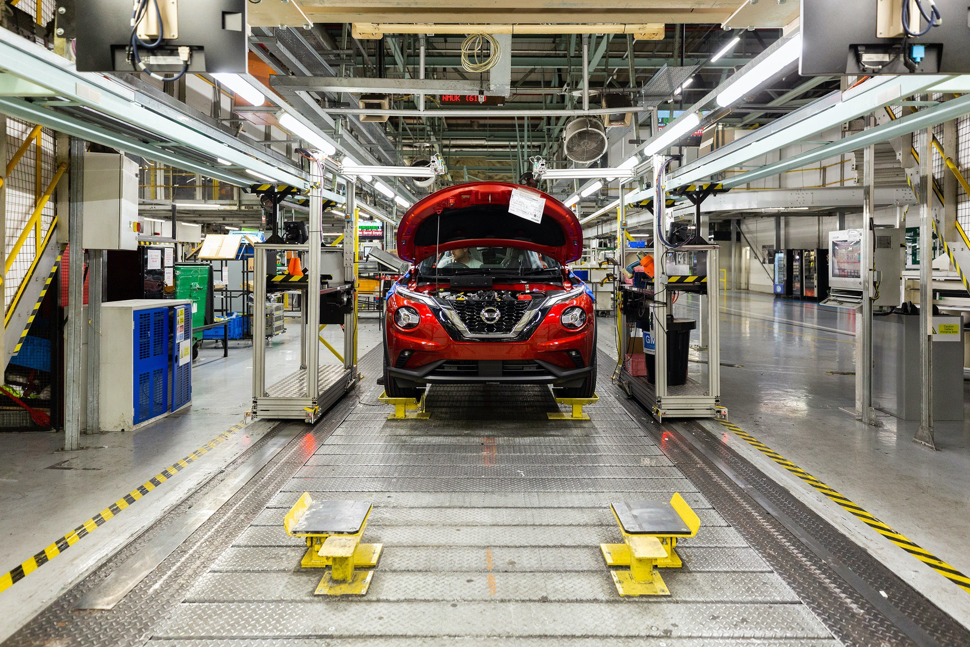 Nissan-Juke-production-Final-Assembly-8