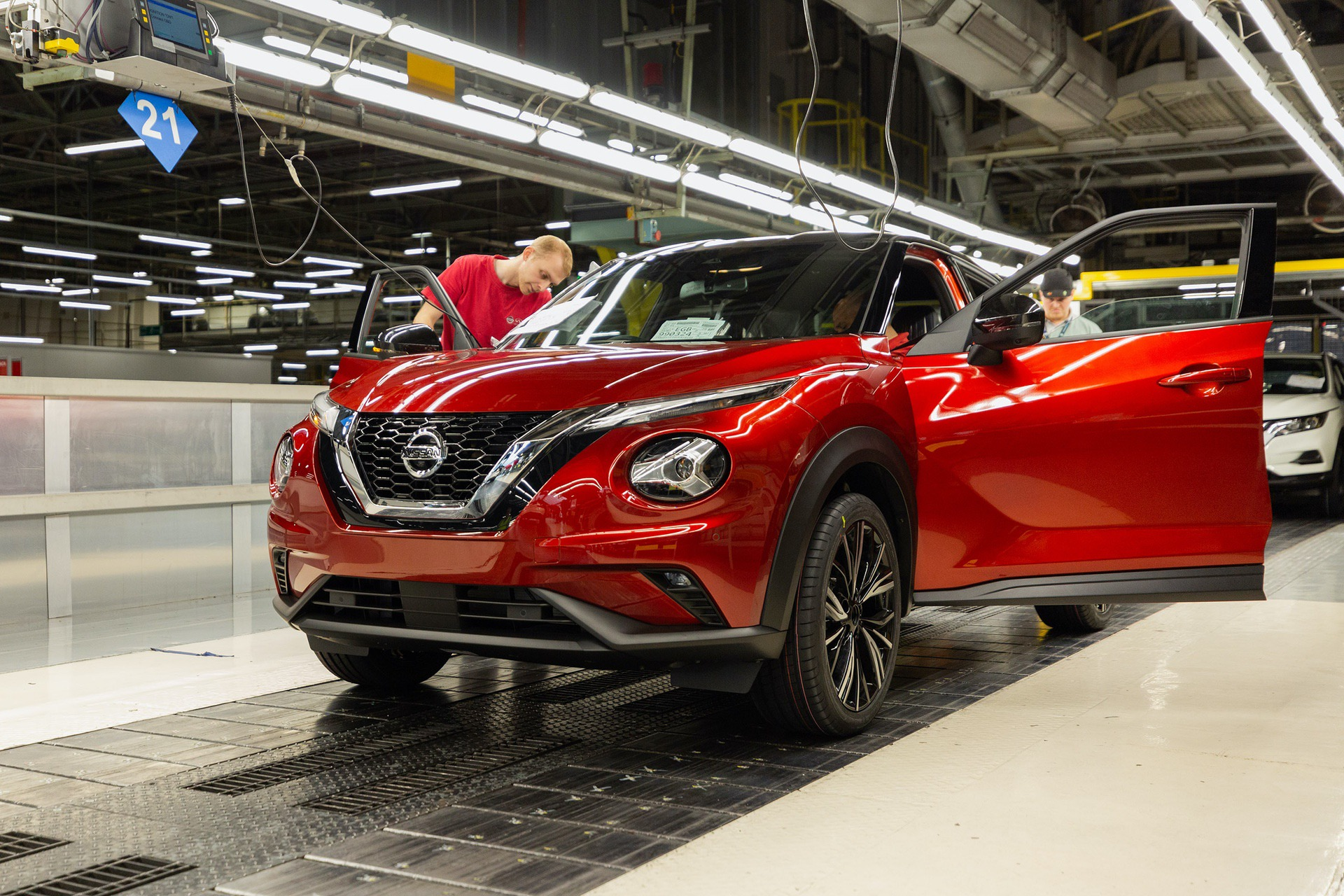 Nissan-Juke-production-Final-Assembly-9