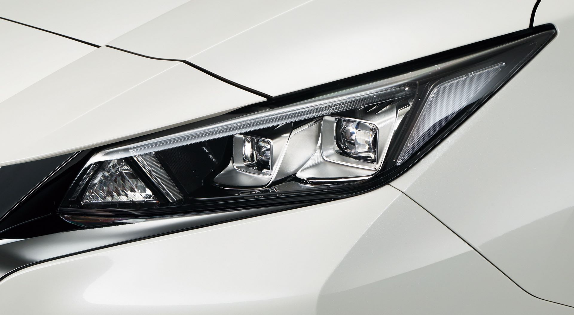 Nissan-leaf-japan-2020-19