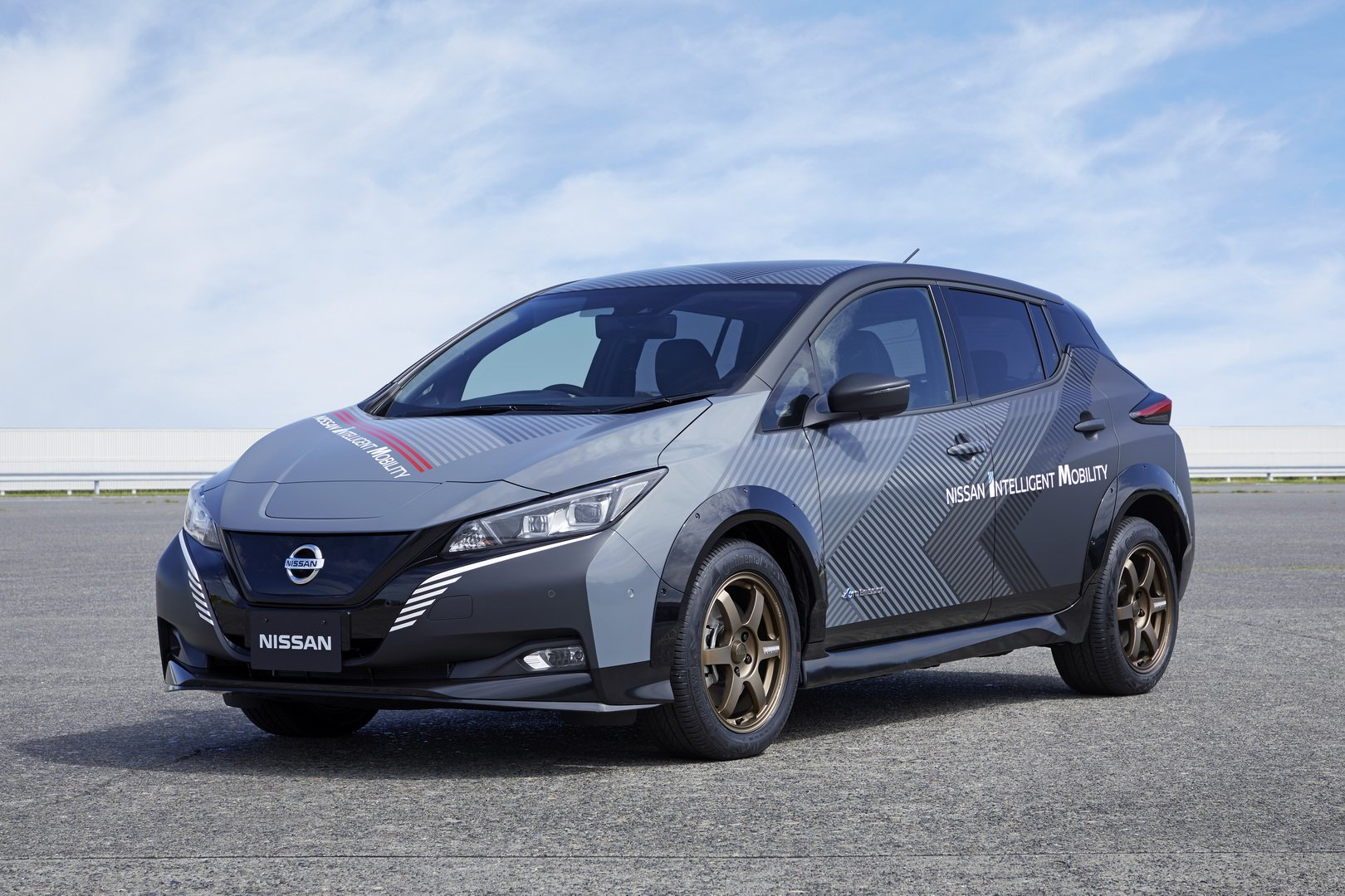 Nissan-Leaf-AWD-with-dual-electric-motors-3