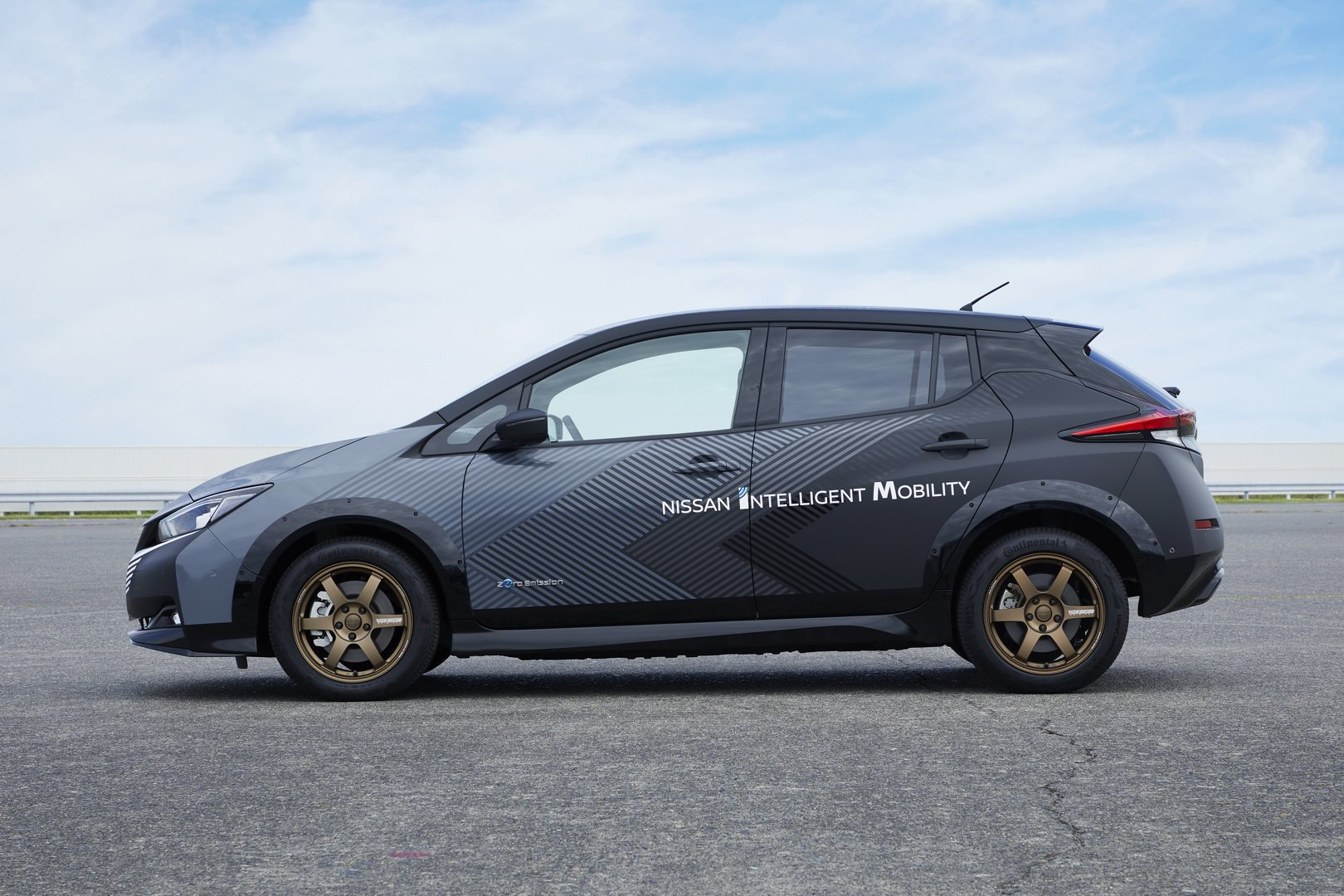 Nissan-Leaf-AWD-with-dual-electric-motors-5