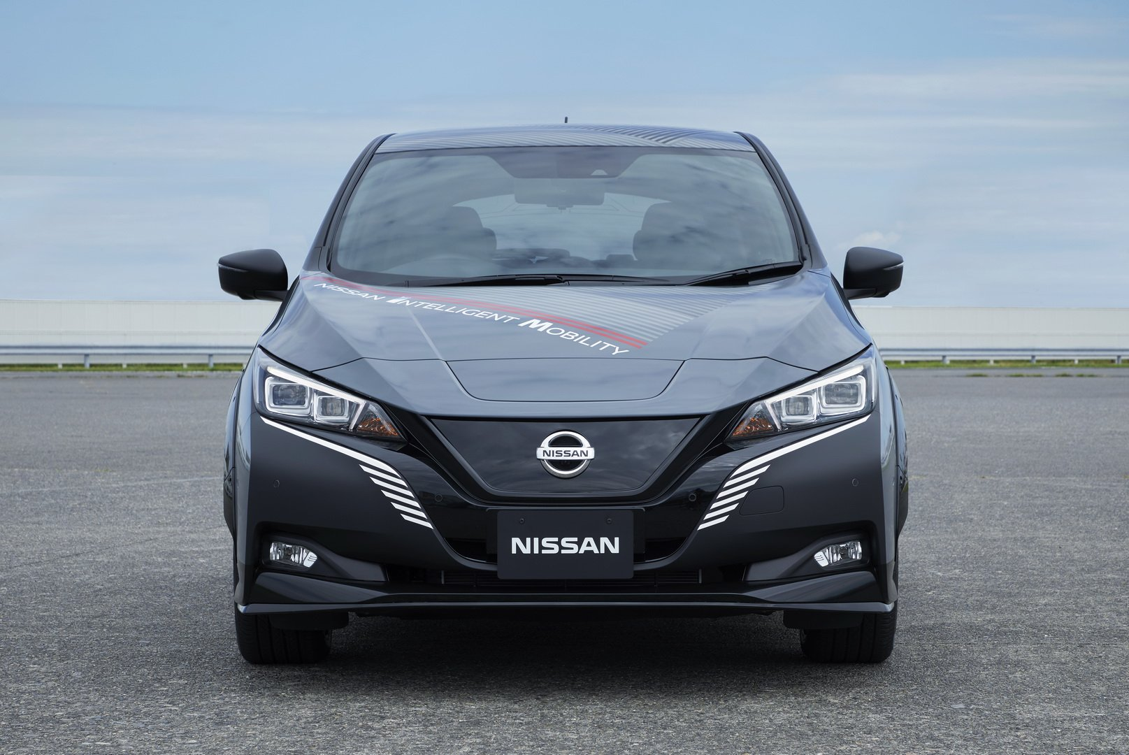 Nissan-Leaf-AWD-with-dual-electric-motors-6