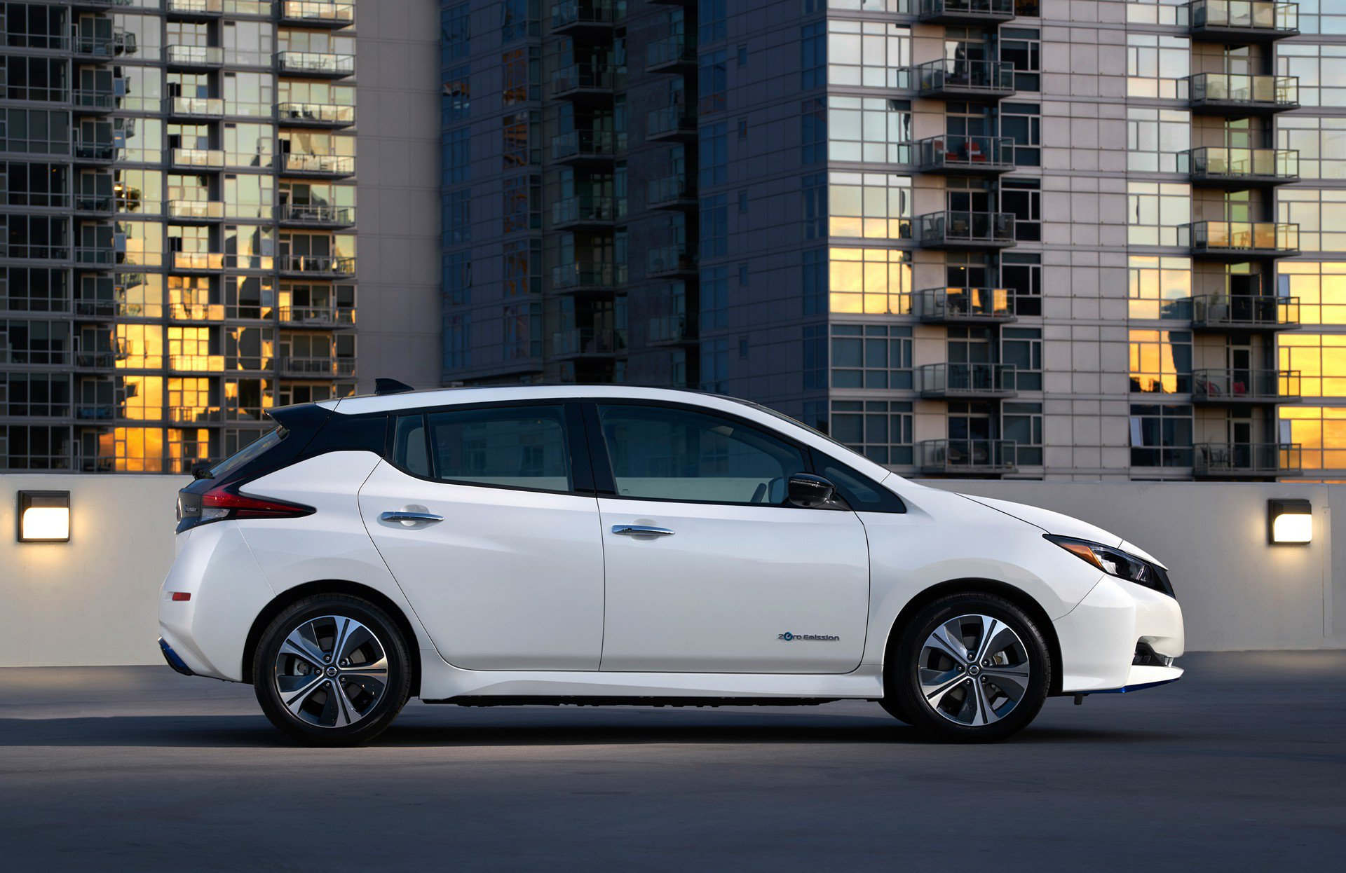 Nissan Leaf e-plus 2019 USA Spec (5)