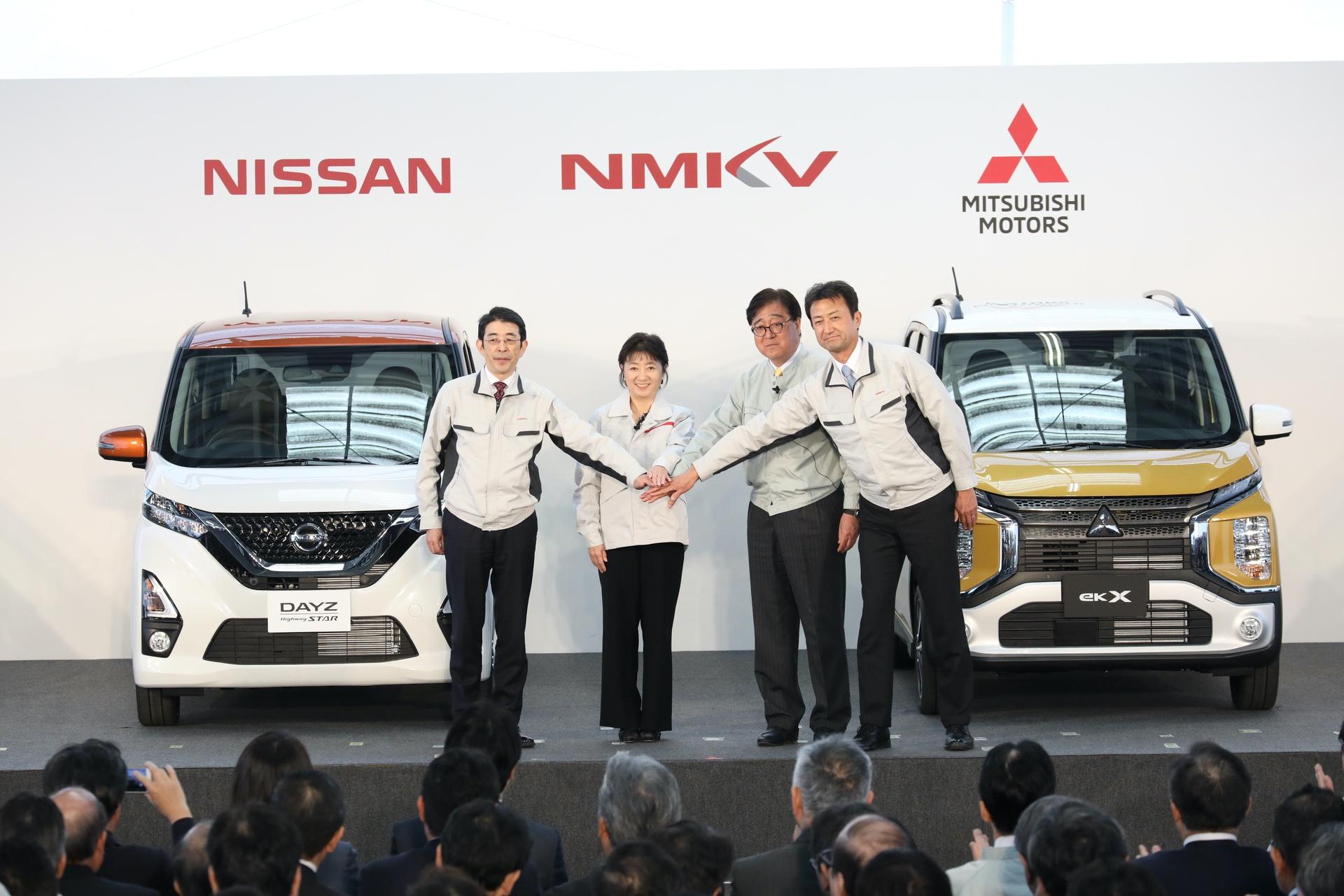 Nissan_Mitsubishi_kei_cars_0000