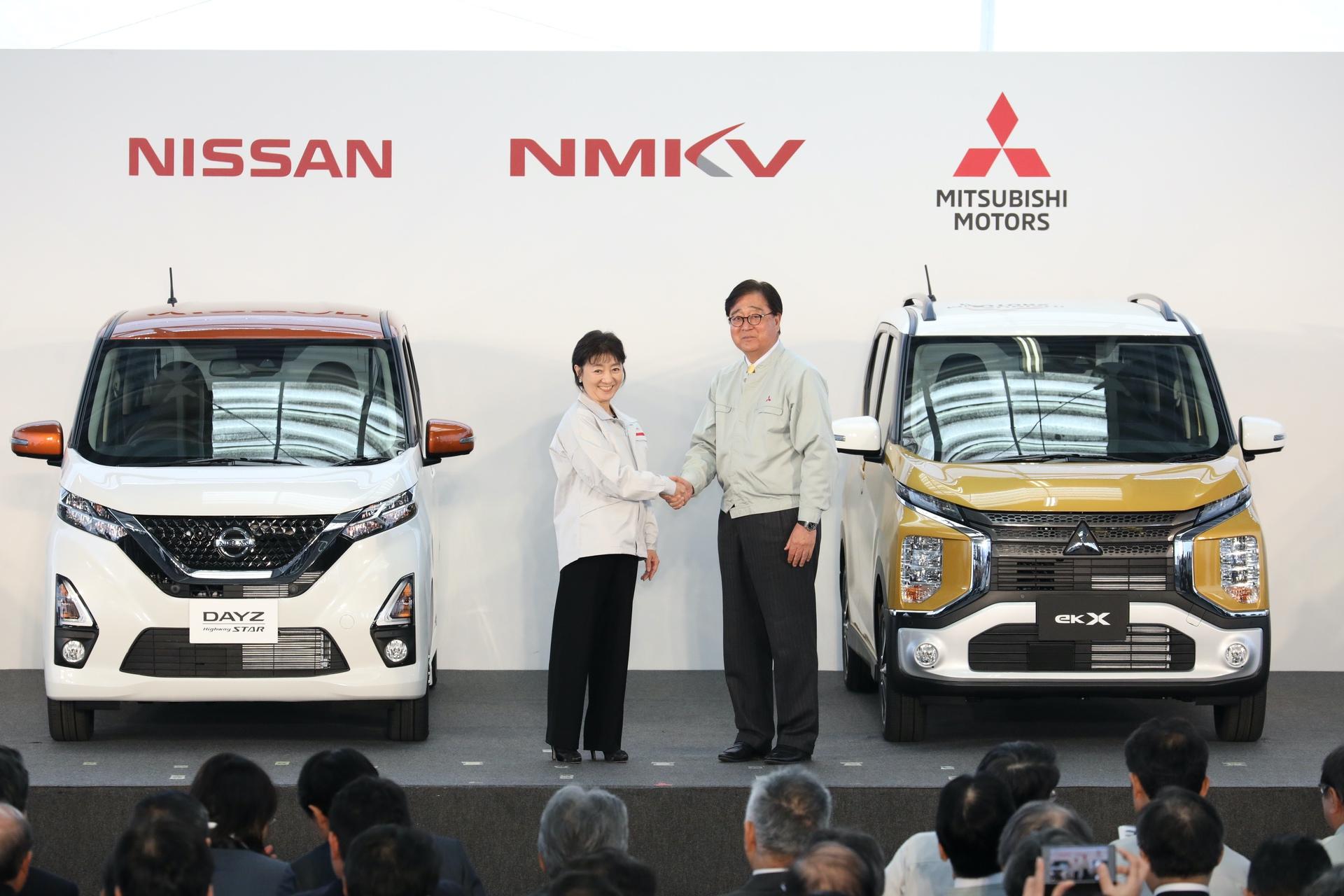 Nissan_Mitsubishi_kei_cars_0001