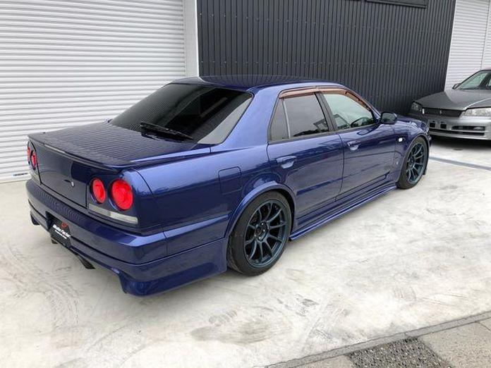 Nissan-Skyline-R34-GT-R-Sedan-11