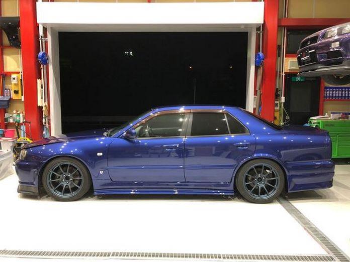 Nissan-Skyline-R34-GT-R-Sedan-13