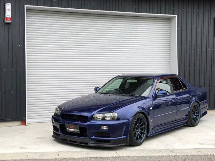 Nissan-Skyline-R34-GT-R-Sedan-2