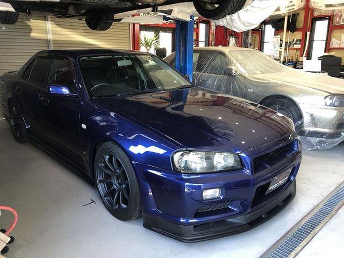 Nissan-Skyline-R34-GT-R-Sedan-27