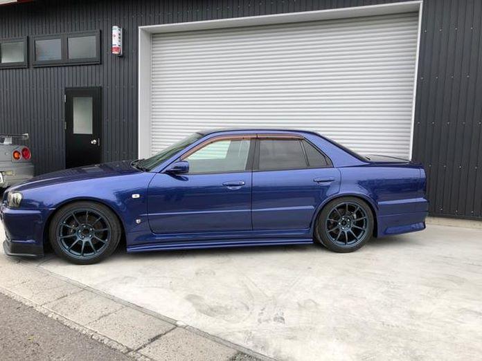 Nissan-Skyline-R34-GT-R-Sedan-4