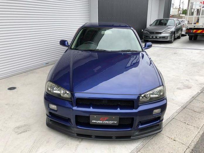 Nissan-Skyline-R34-GT-R-Sedan-6