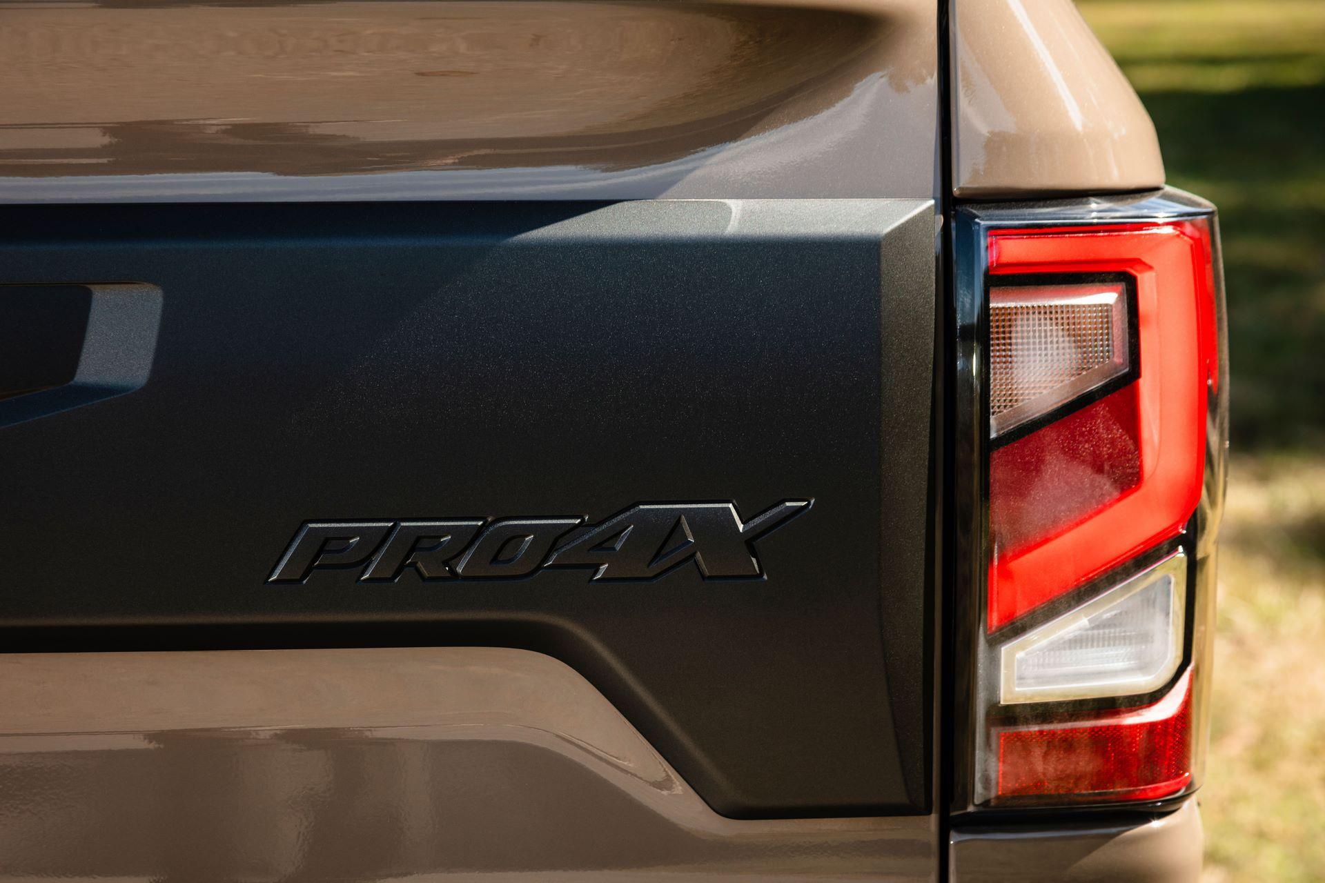 2020-Nissan-TITAN-XD-PRO-4X-12