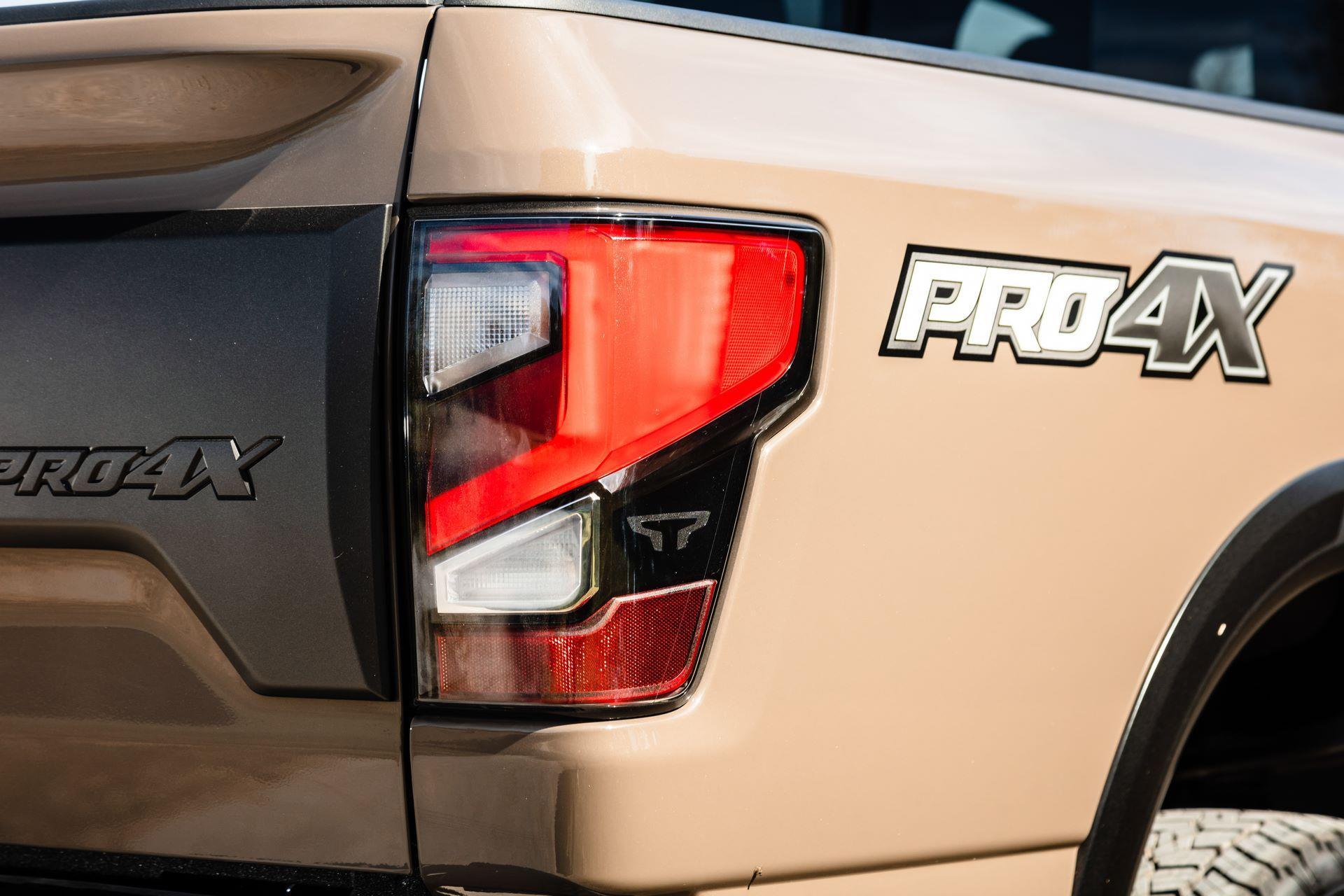 2020-Nissan-TITAN-XD-PRO-4X-14