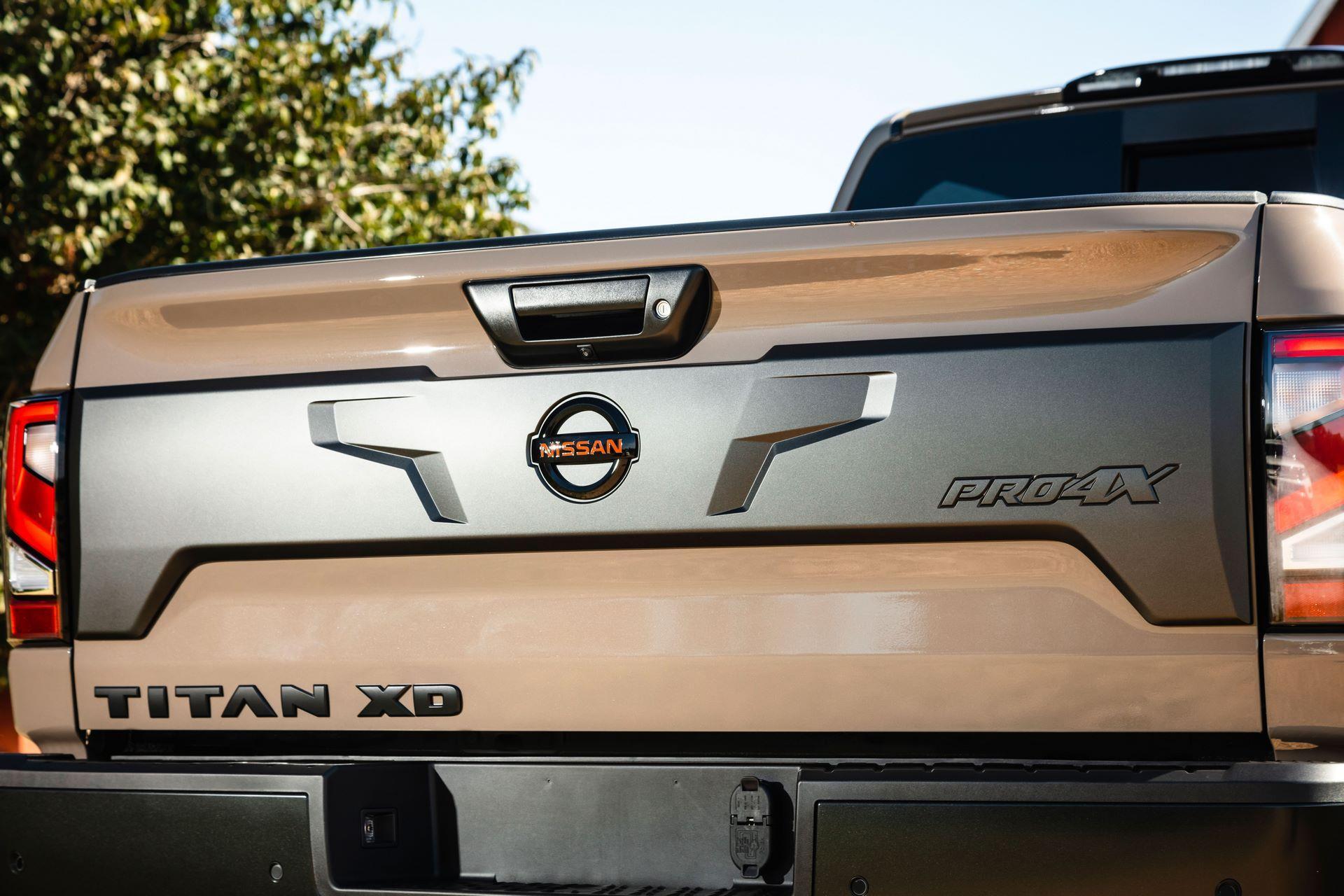 2020-Nissan-TITAN-XD-PRO-4X-6
