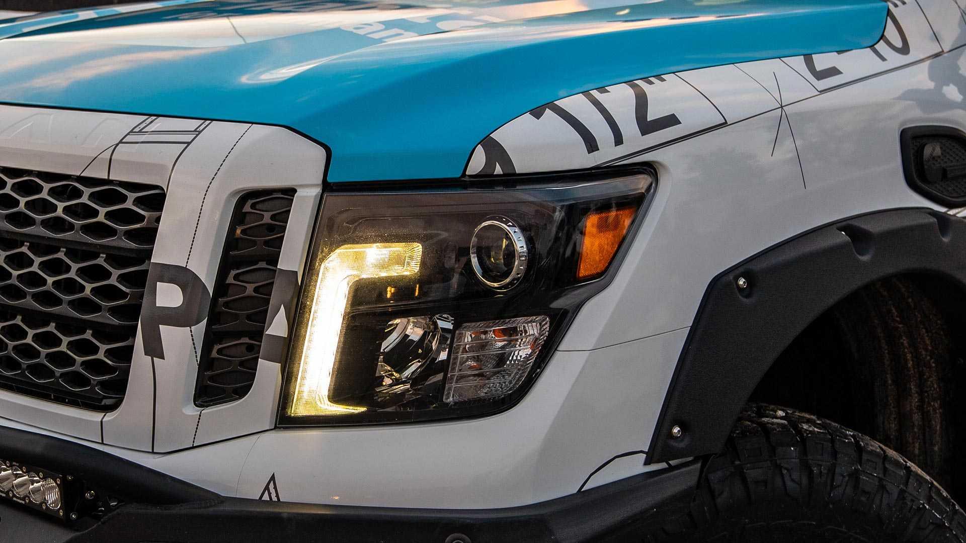 Nissan Ultimate Work Titan  (27)