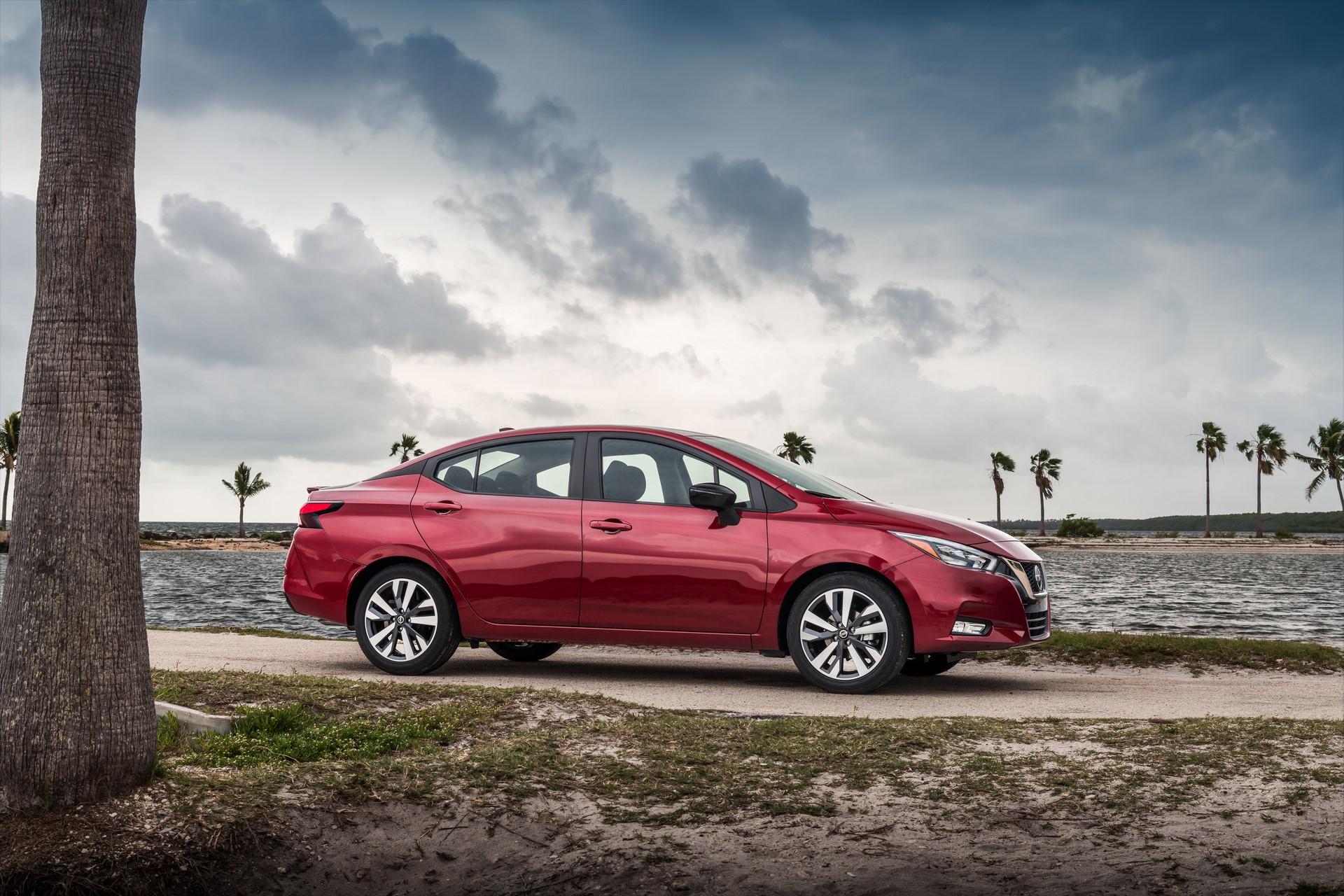 Nissan Versa 2020 - Autoblog.gr