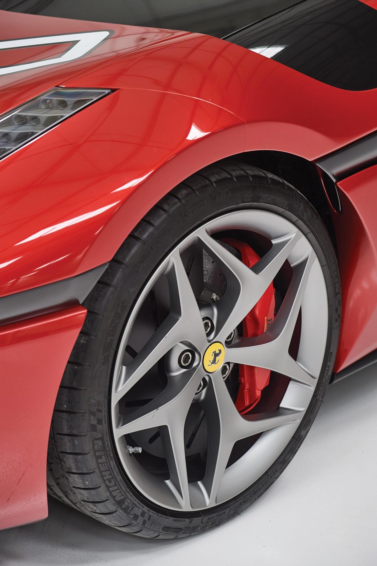 2011-Ferrari-SP30_15