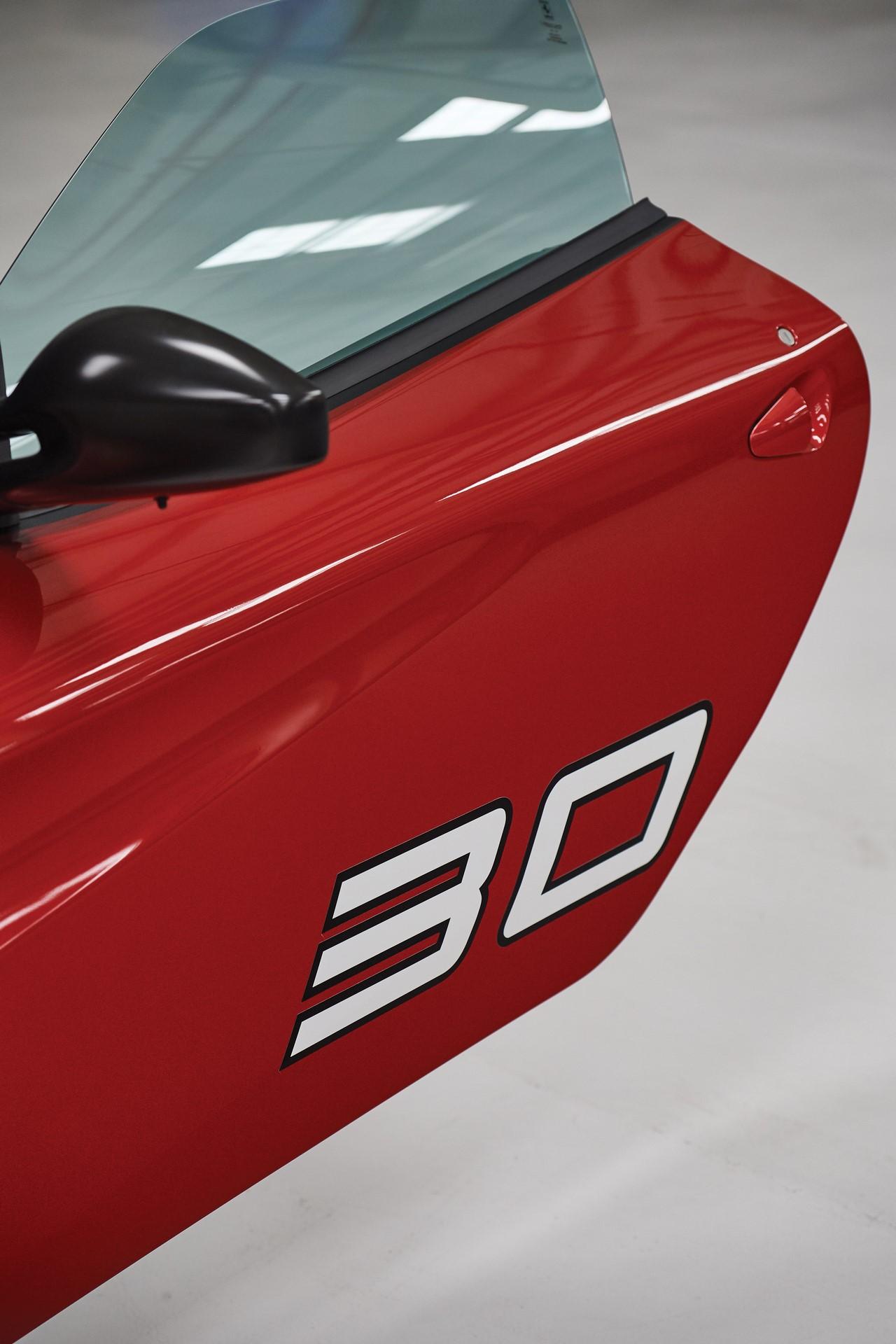 2011-Ferrari-SP30_18